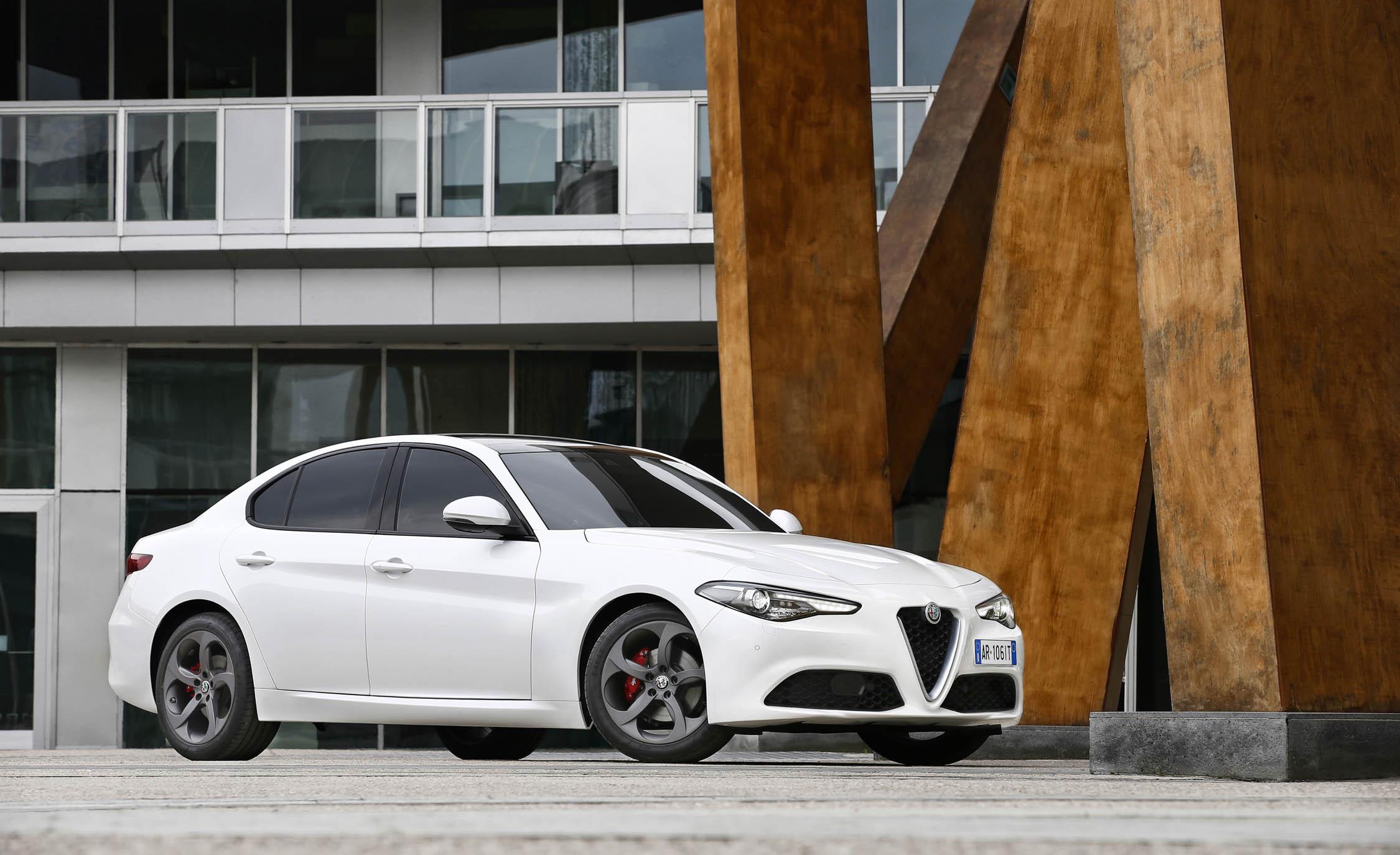 2017 Alfa Romeo Giulia (View 20 of 30)
