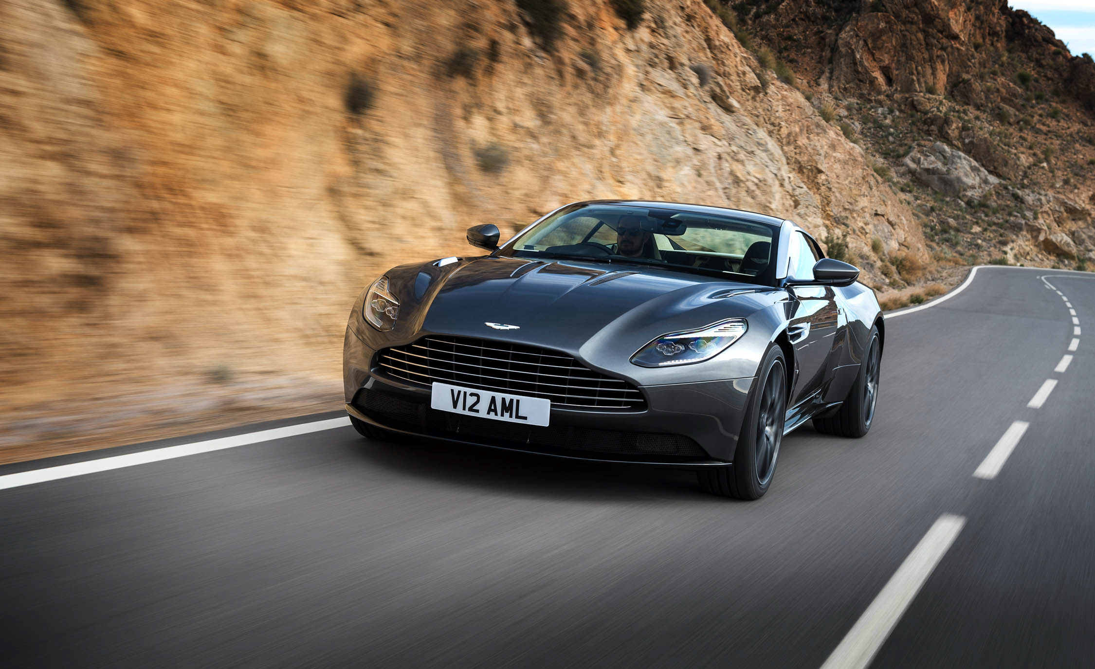 Featured Image of 2017 Aston Martin DB
