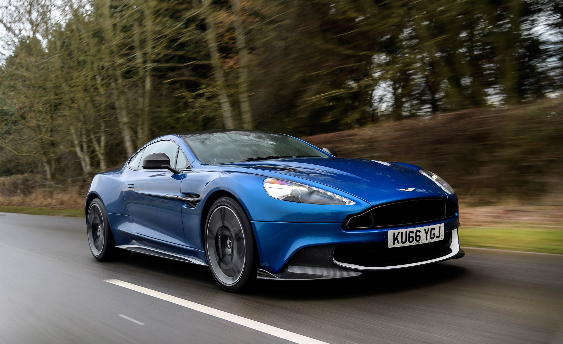 Featured Image of 2017 Aston Martin Vanquish S