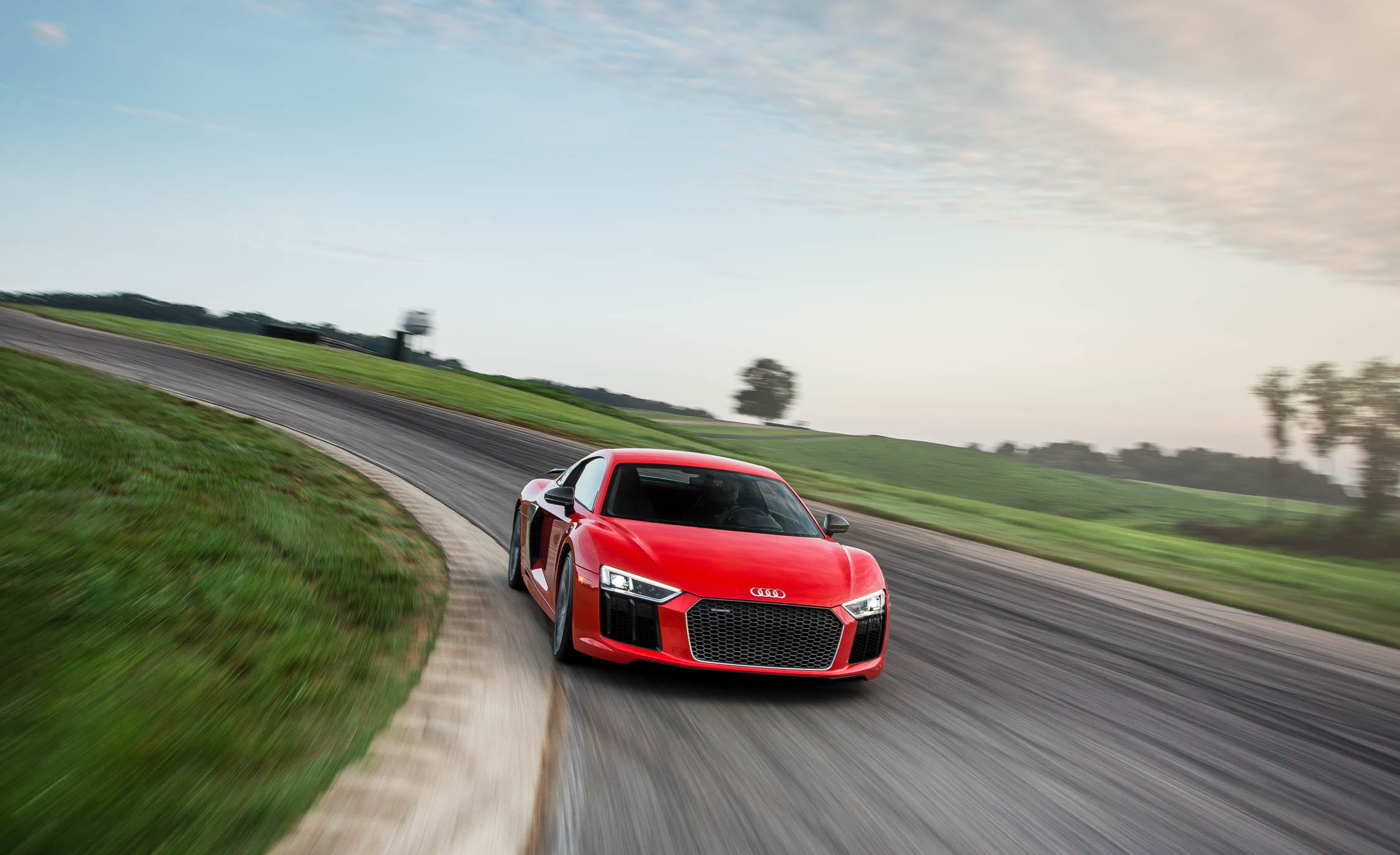 2017 Audi R8 V 10 Plus (Photo 15 of 19)