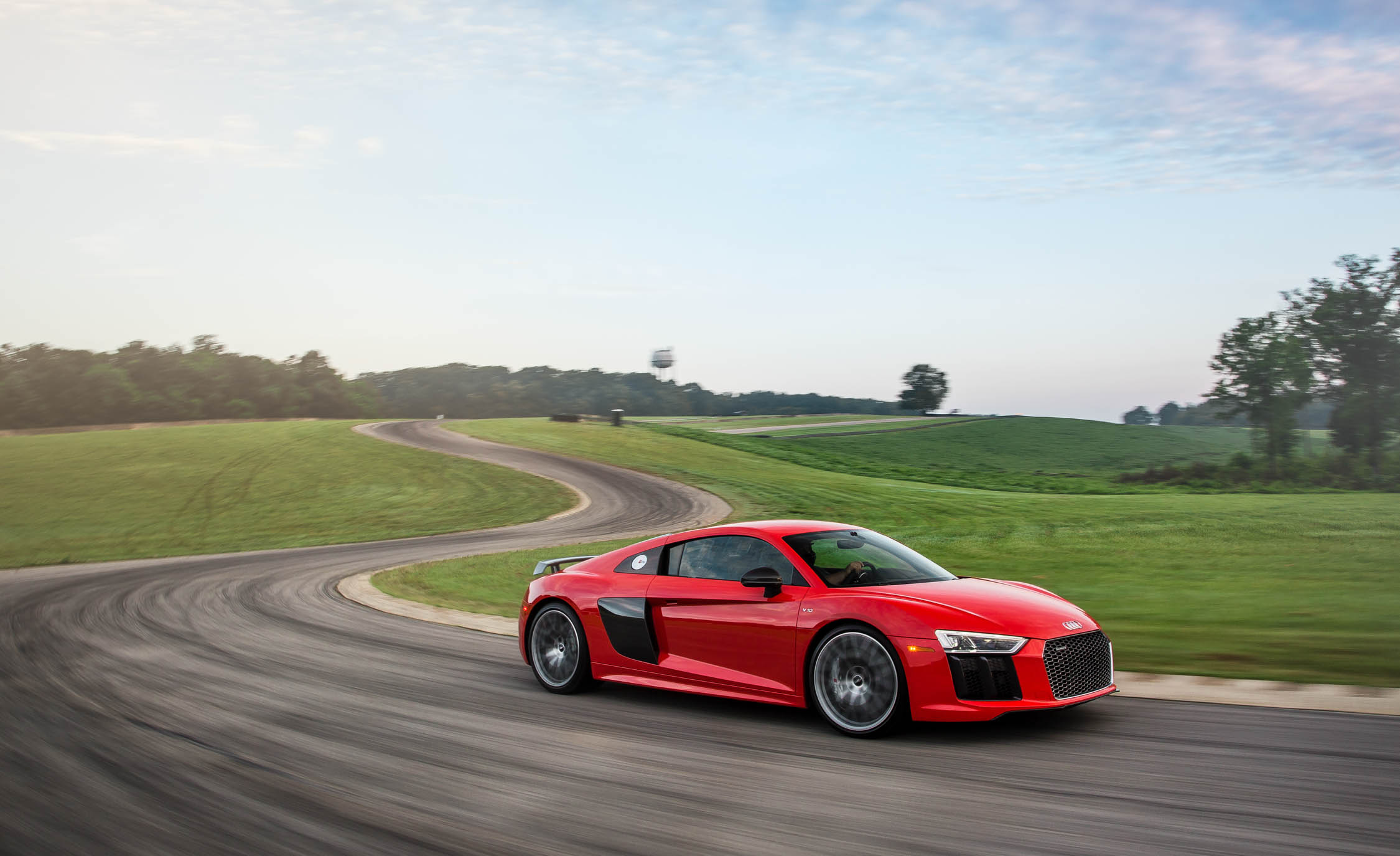 Featured Image of 2017 Audi R8 V10 Plus