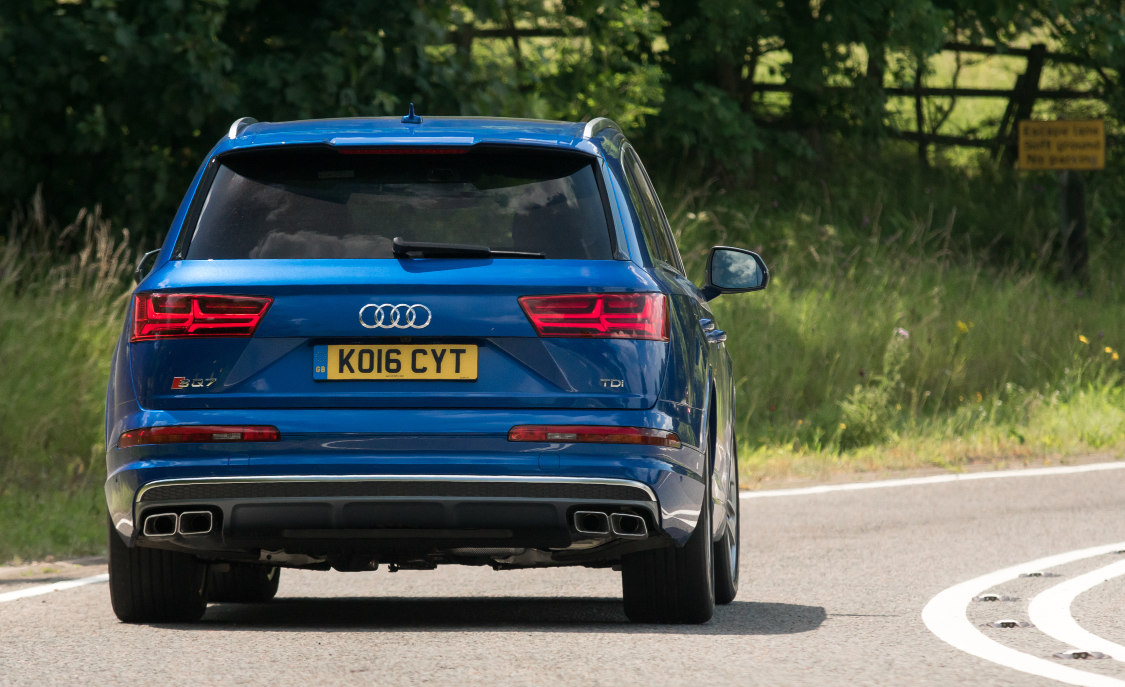 2017 Audi Sq7 Exterior Rear End (Photo 7 of 15)
