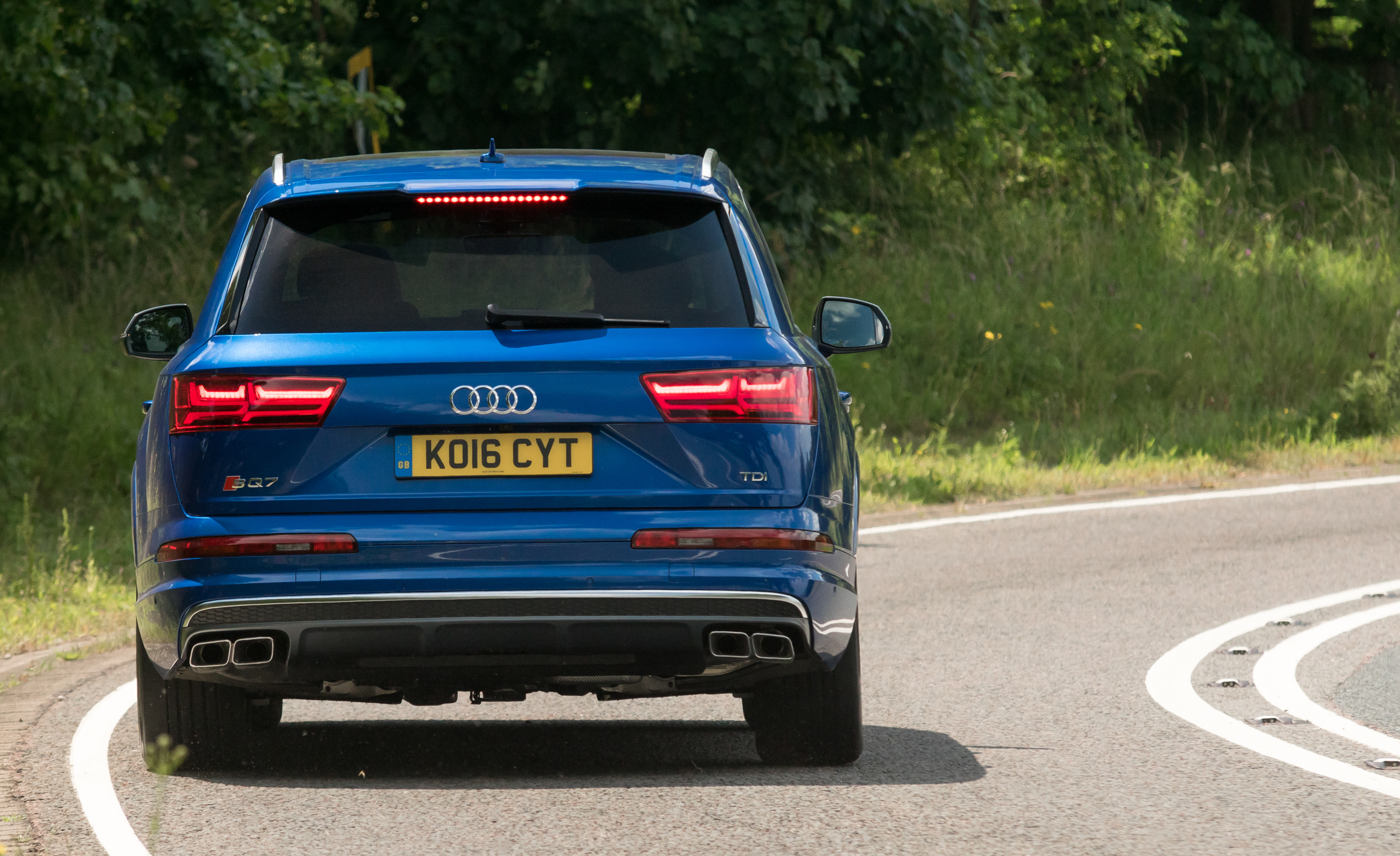 2017 Audi Sq7 Exterior Rear (Photo 5 of 15)