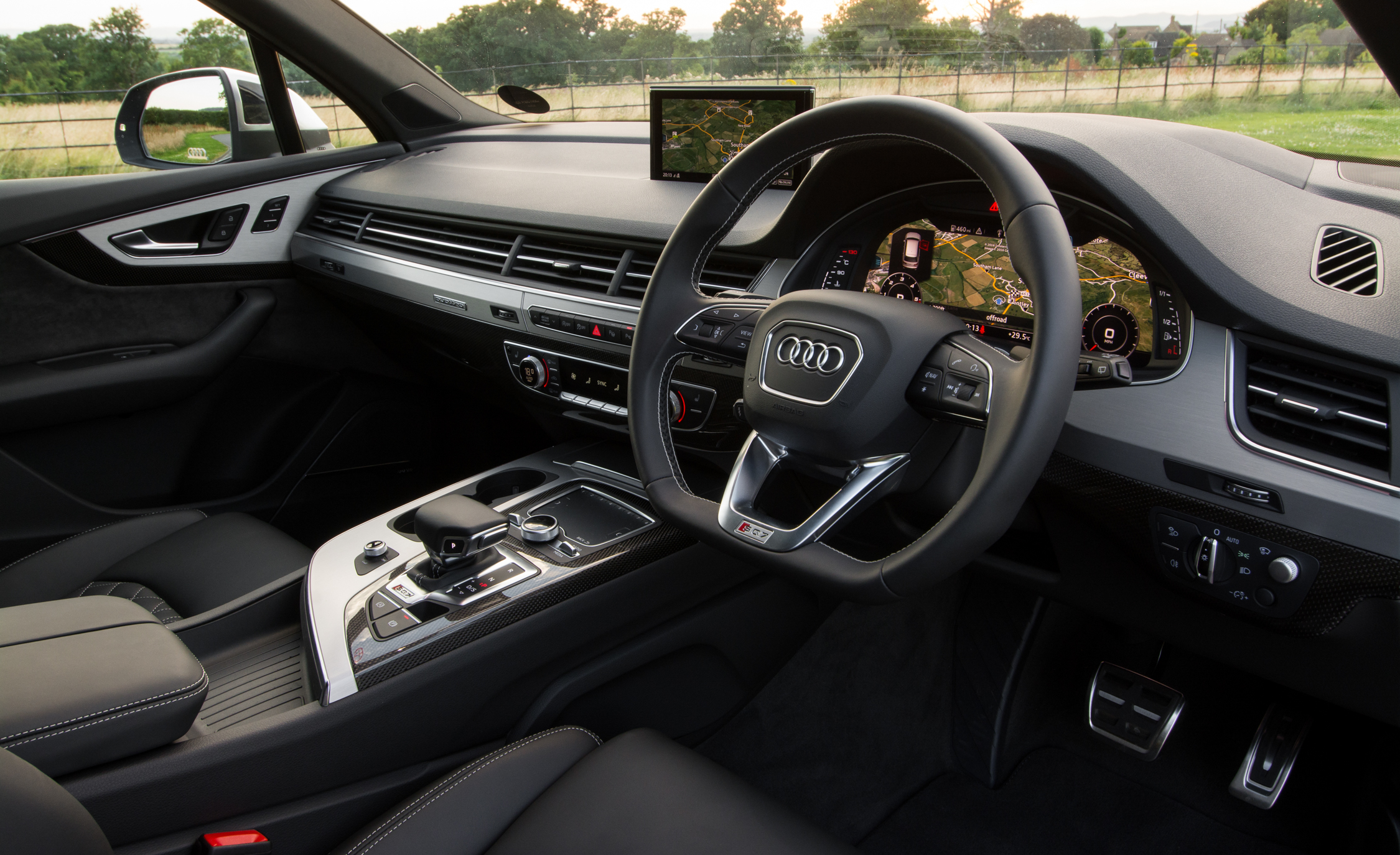 2017 Audi Sq7 Interior Cockpit And Dashboard (View 8 of 15)