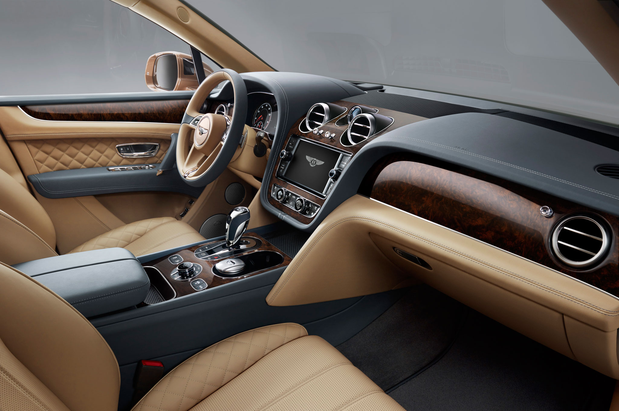 2017 Bentley Bentayga Dashboard Interior (Photo 3 of 16)