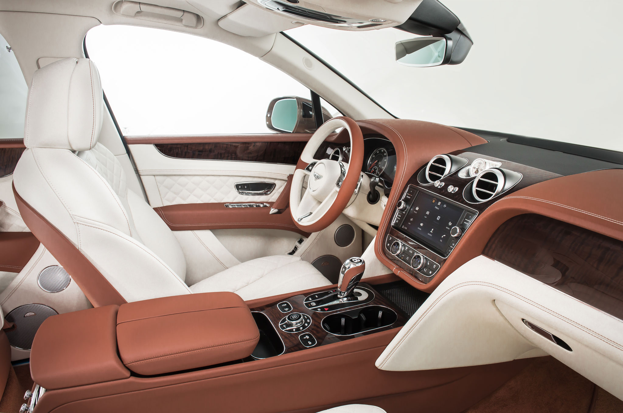 2017 Bentley Bentayga Front Seats Interior (Photo 4 of 16)