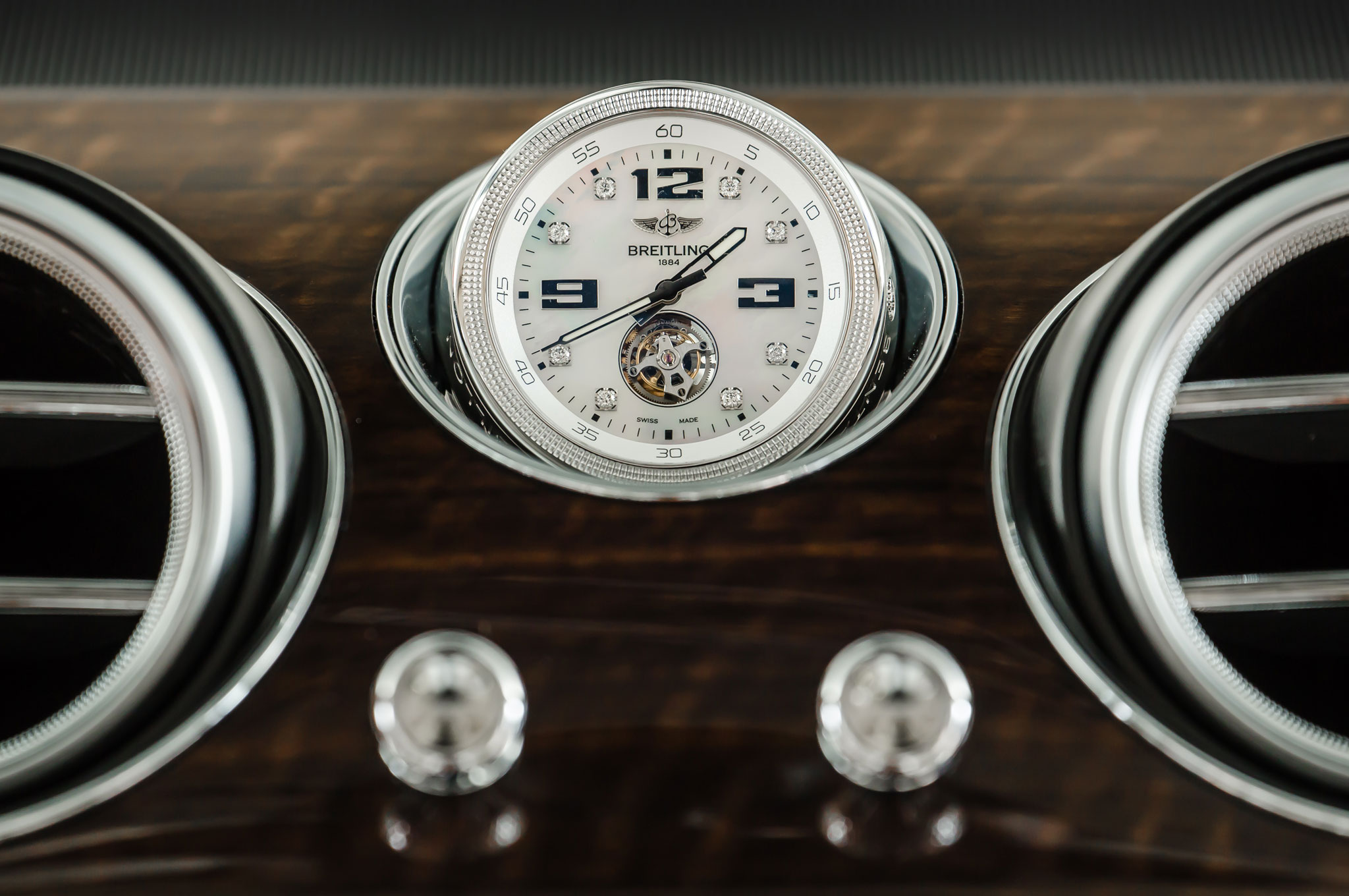 2017 Bentley Bentayga Luxury Clock (Photo 7 of 16)