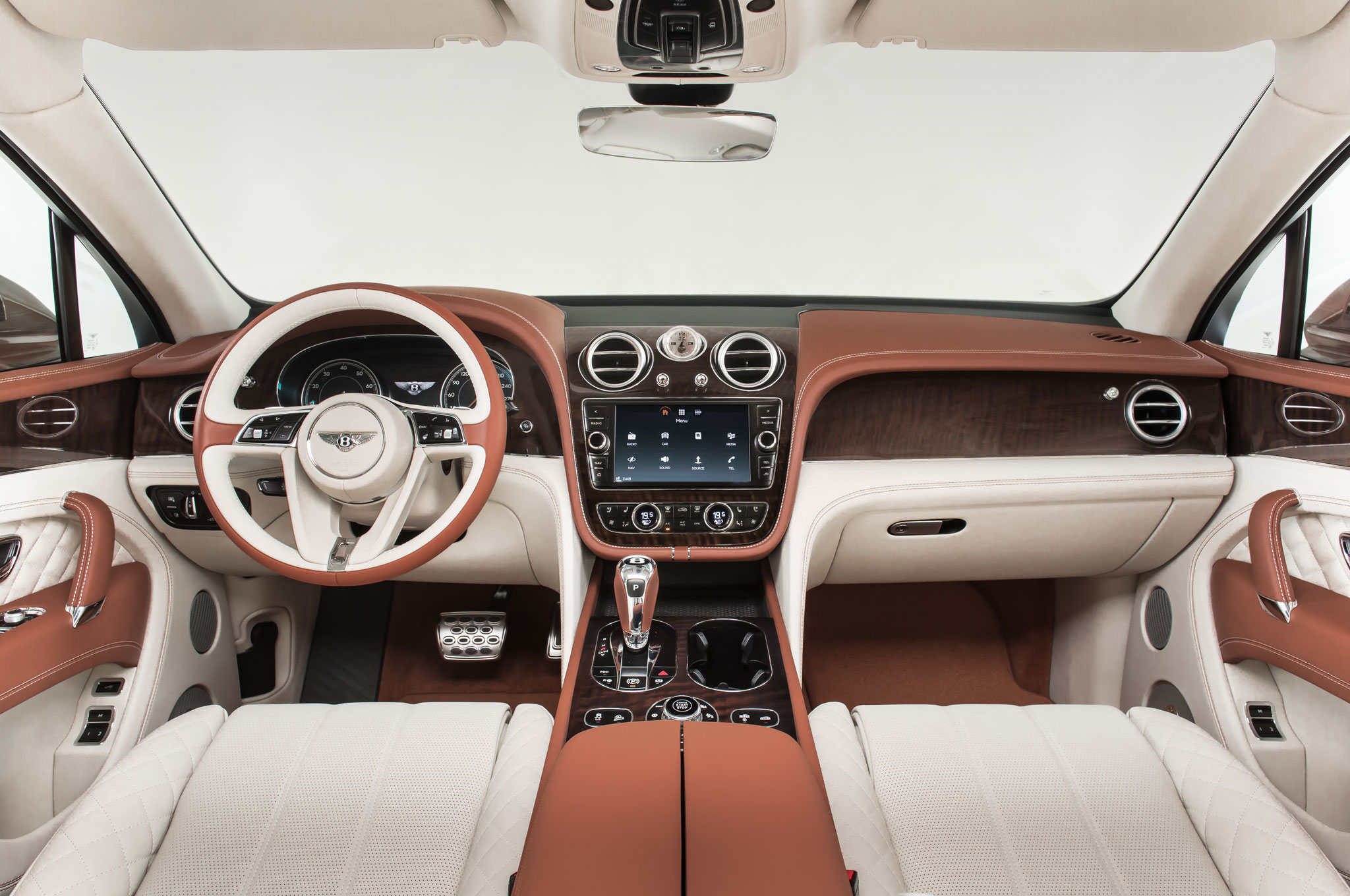 2017 Bentley Bentayga Luxury Interior (Photo 8 of 16)