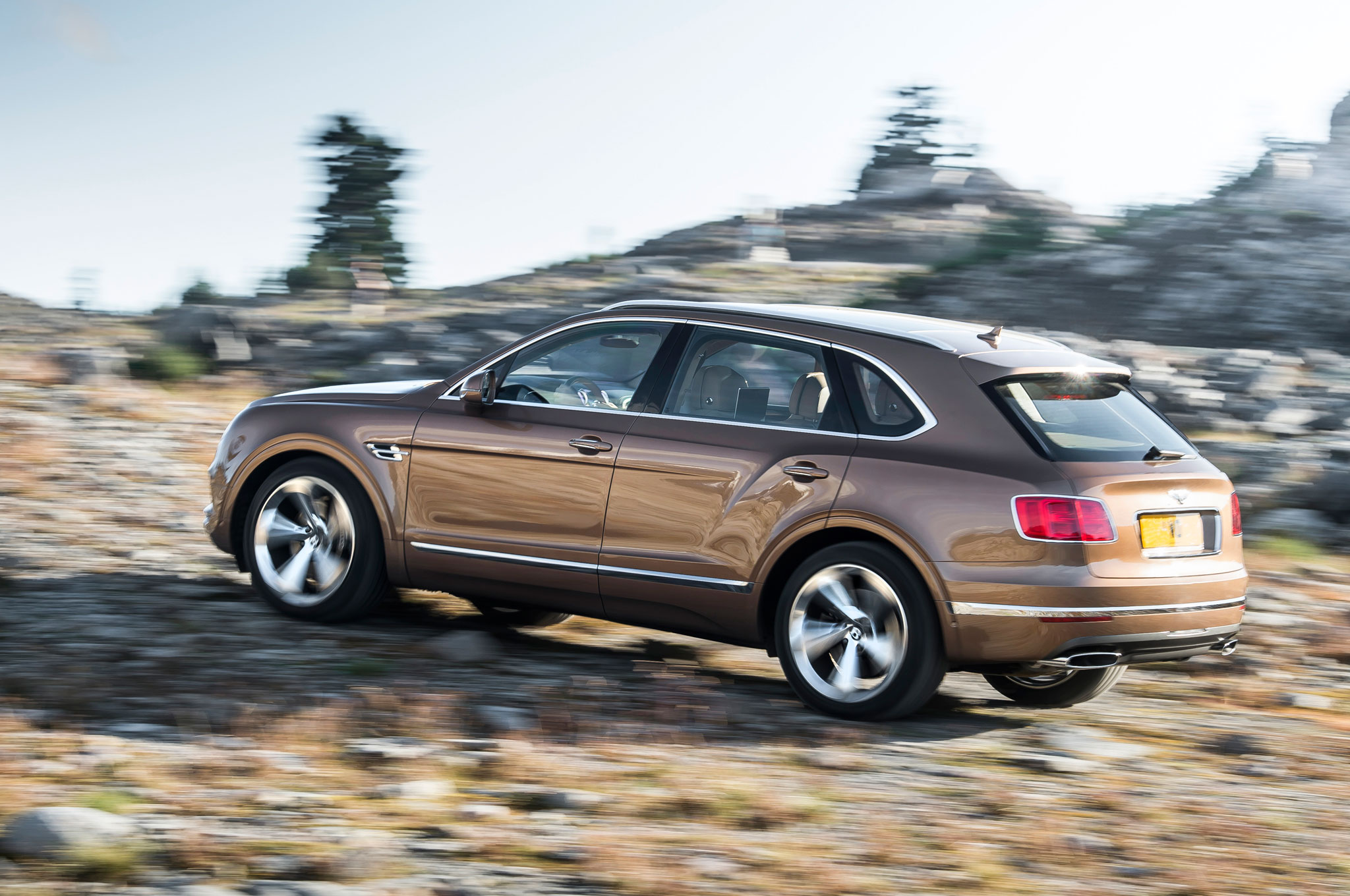 2017 Bentley Bentayga Performance Test (Photo 10 of 16)