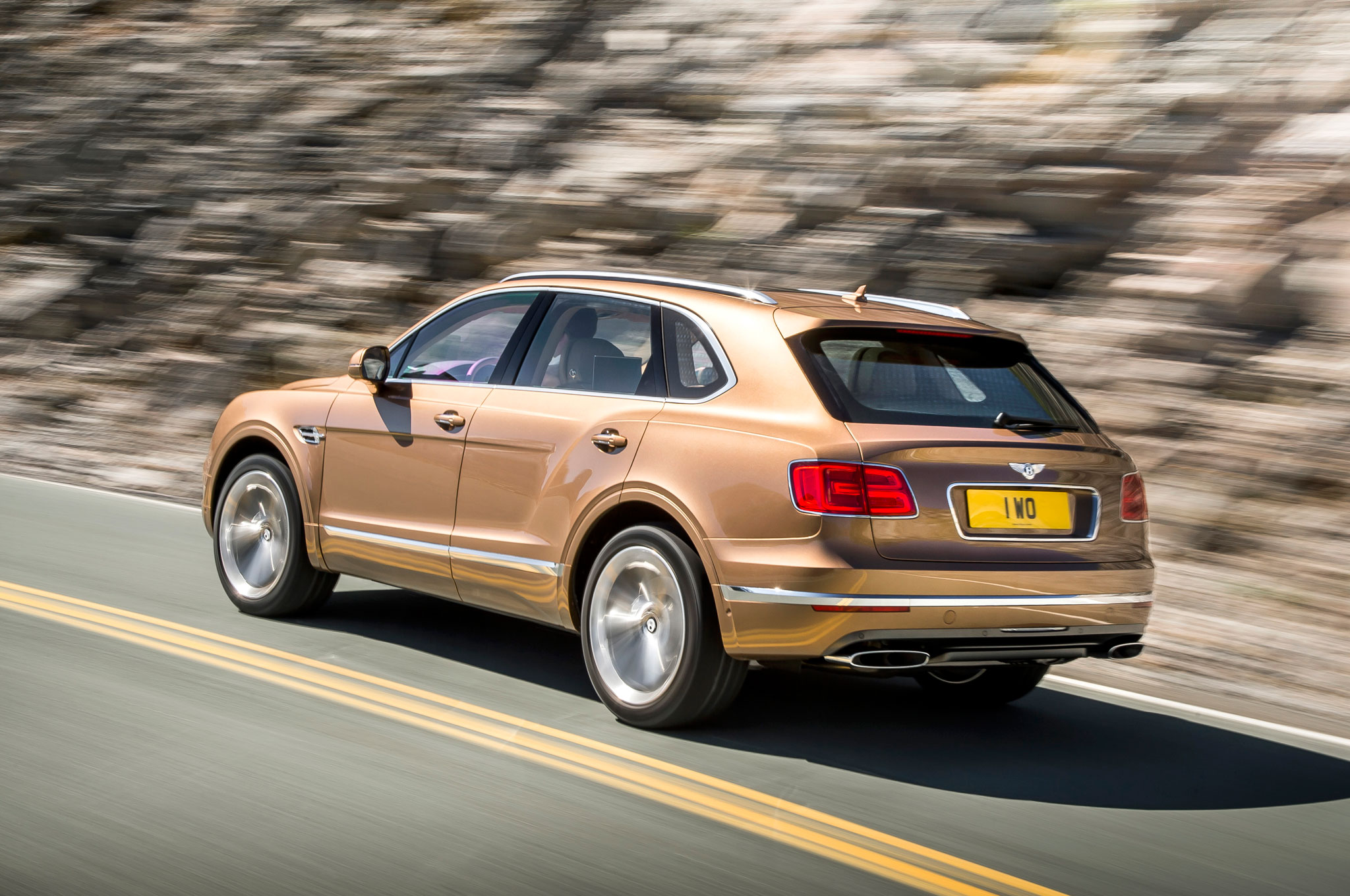 2017 Bentley Bentayga Review (Photo 13 of 16)