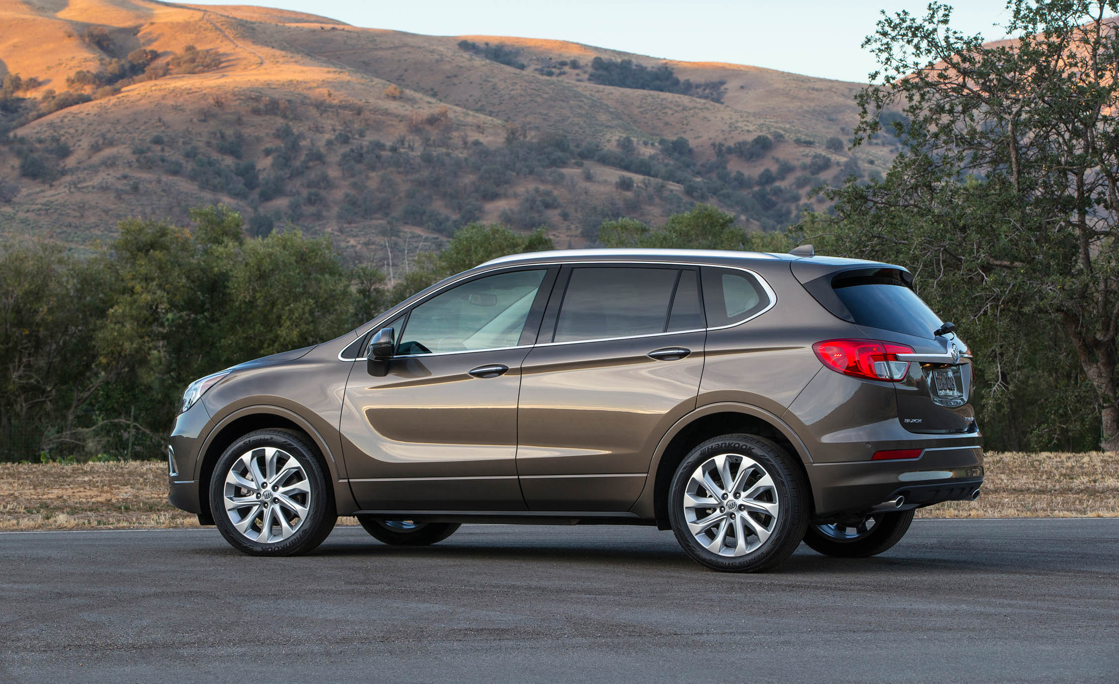2017 Buick Envision (Photo 1 of 8)