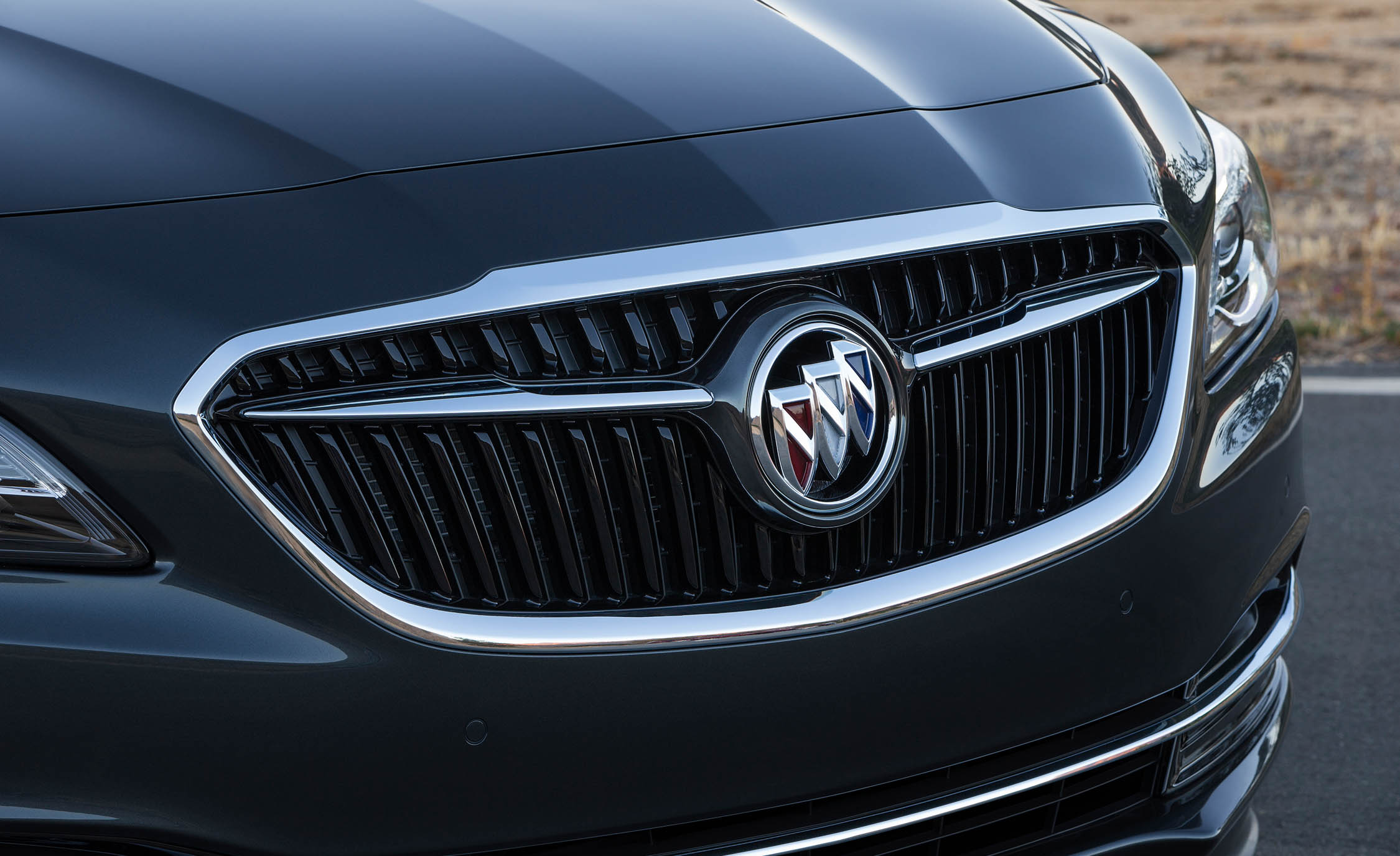 2017 Buick Lacrosse Grille Design (Photo 19 of 26)