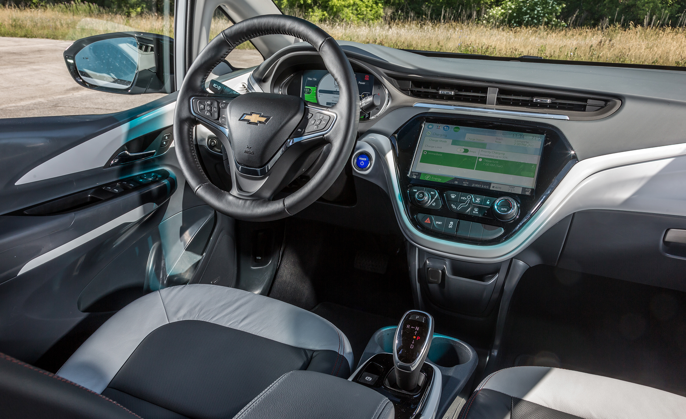 2017 Chevrolet Bolt Ev Interior Cockpit (View 11 of 12)