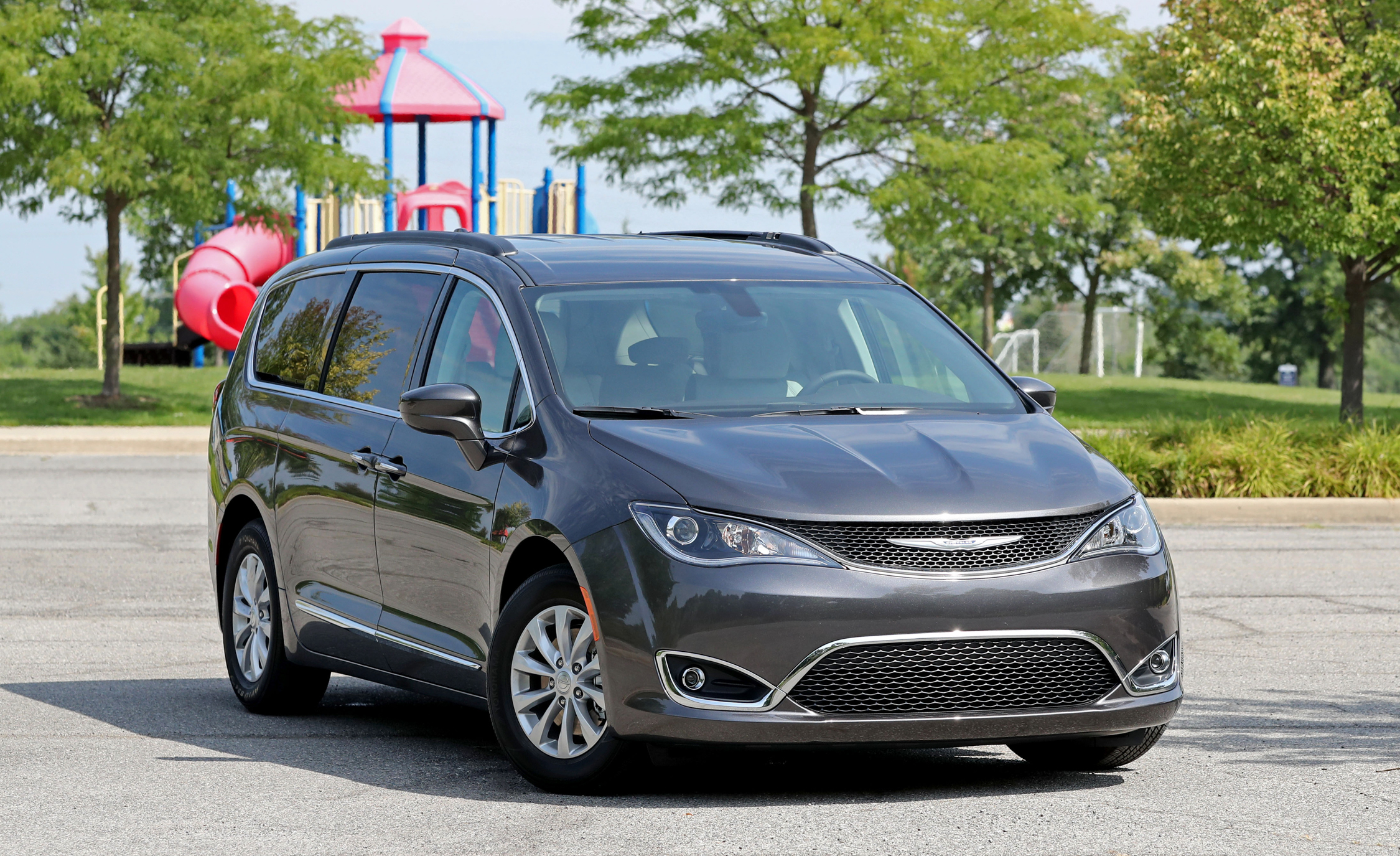 2017 chrysler pacifica cars exclusive videos and photos updates. Black Bedroom Furniture Sets. Home Design Ideas