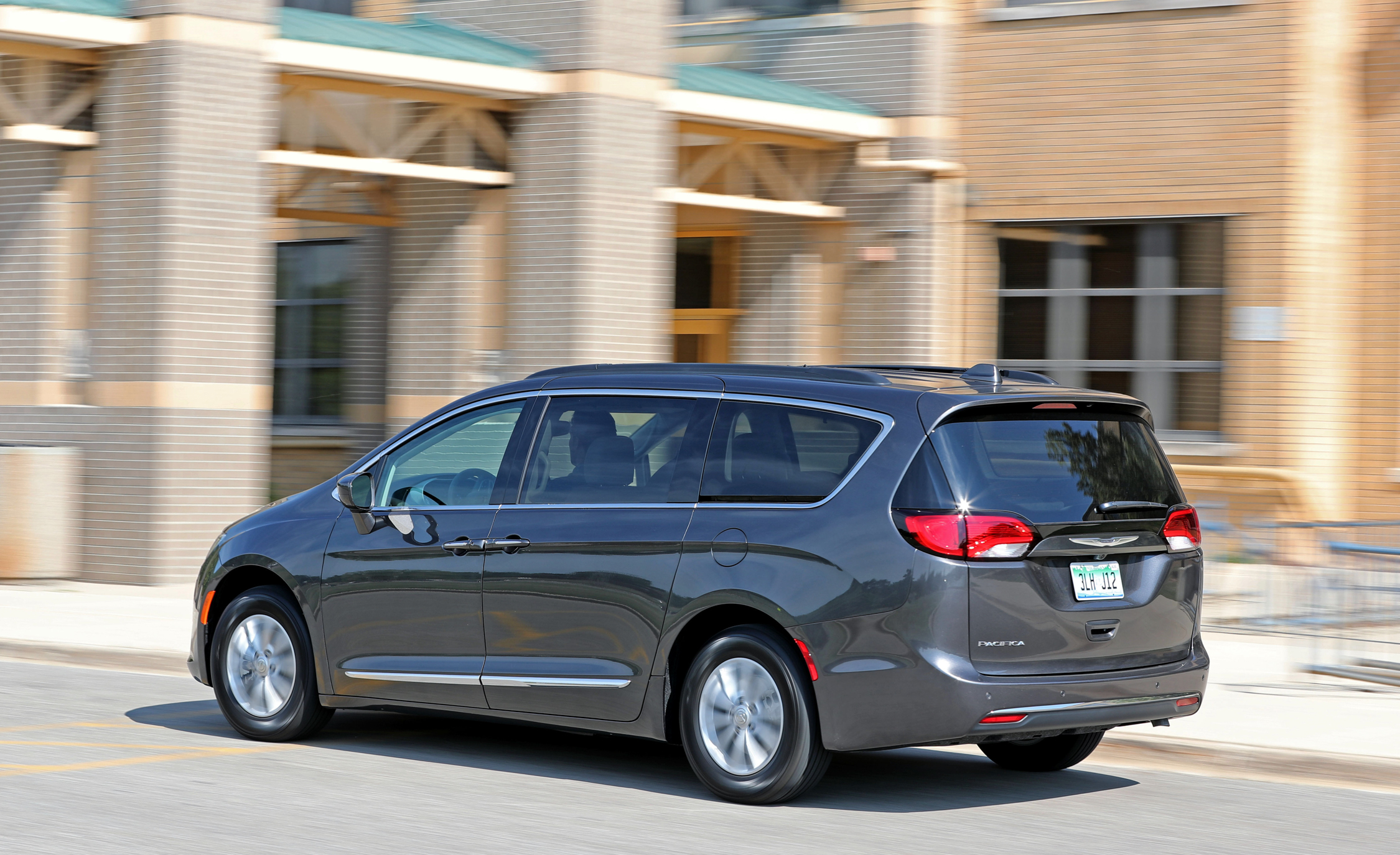 2017 Chrysler Pacifica Touring L Test Drive Rear Side View (View 2 of 25)