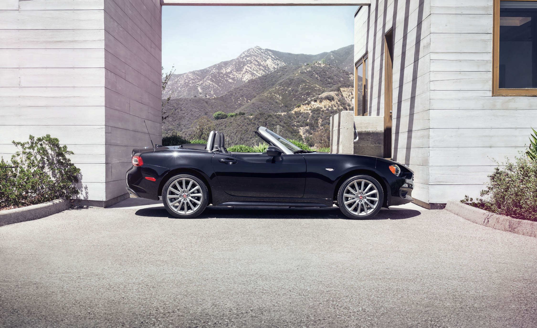 2017 Fiat 124 Spider Convertible Roof Down (View 22 of 23)