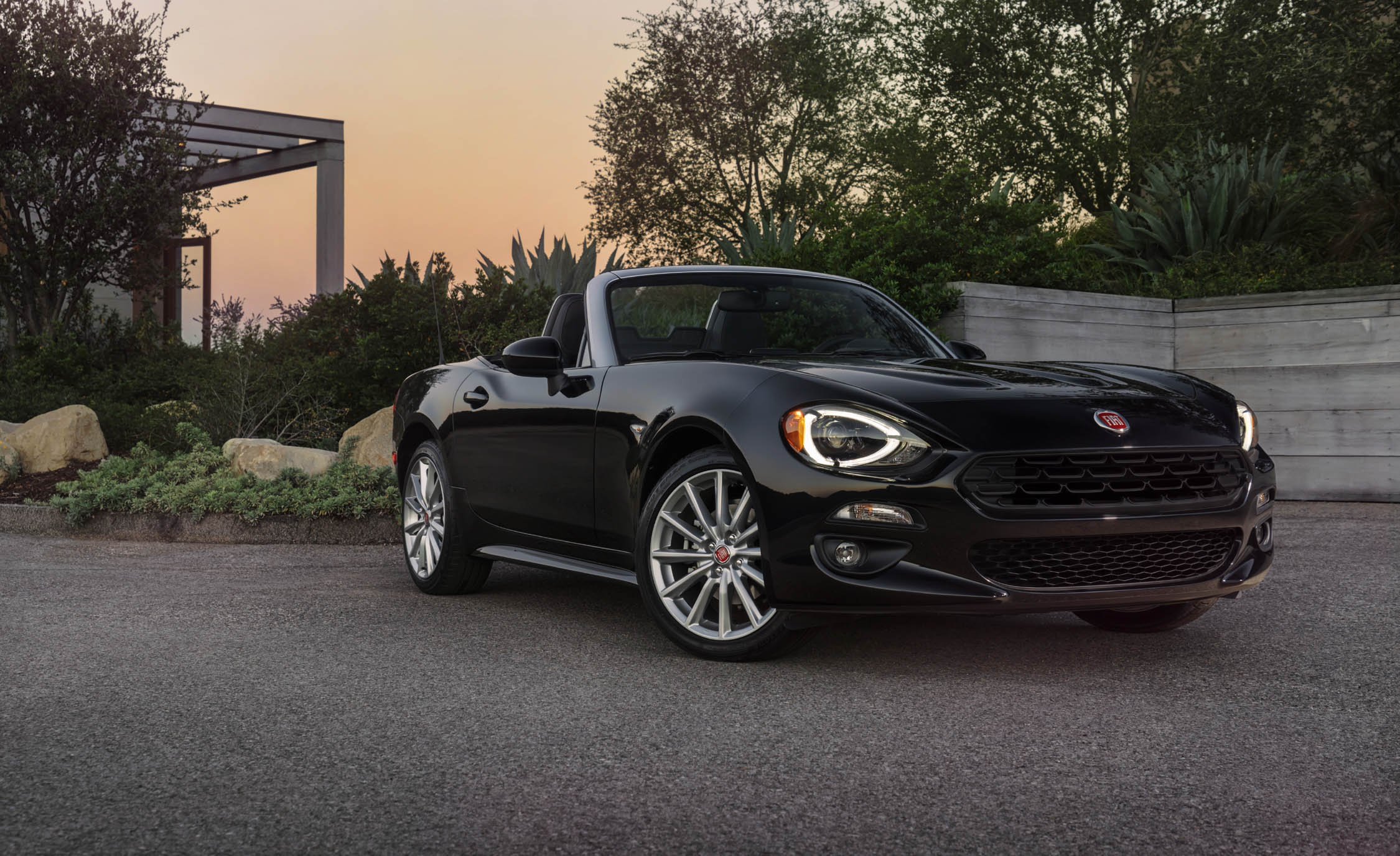 2017 Fiat 124 Spider Headlight On (View 6 of 23)