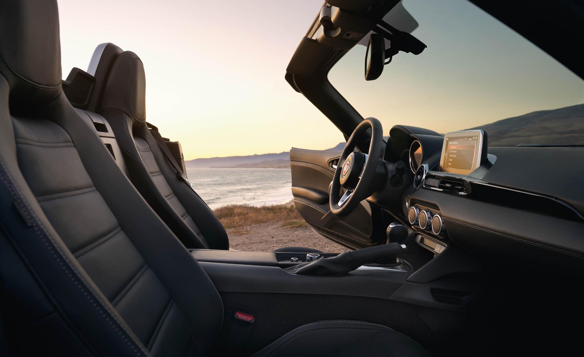 2017 Fiat 124 Spider Interior Seats (Photo 17 of 23)