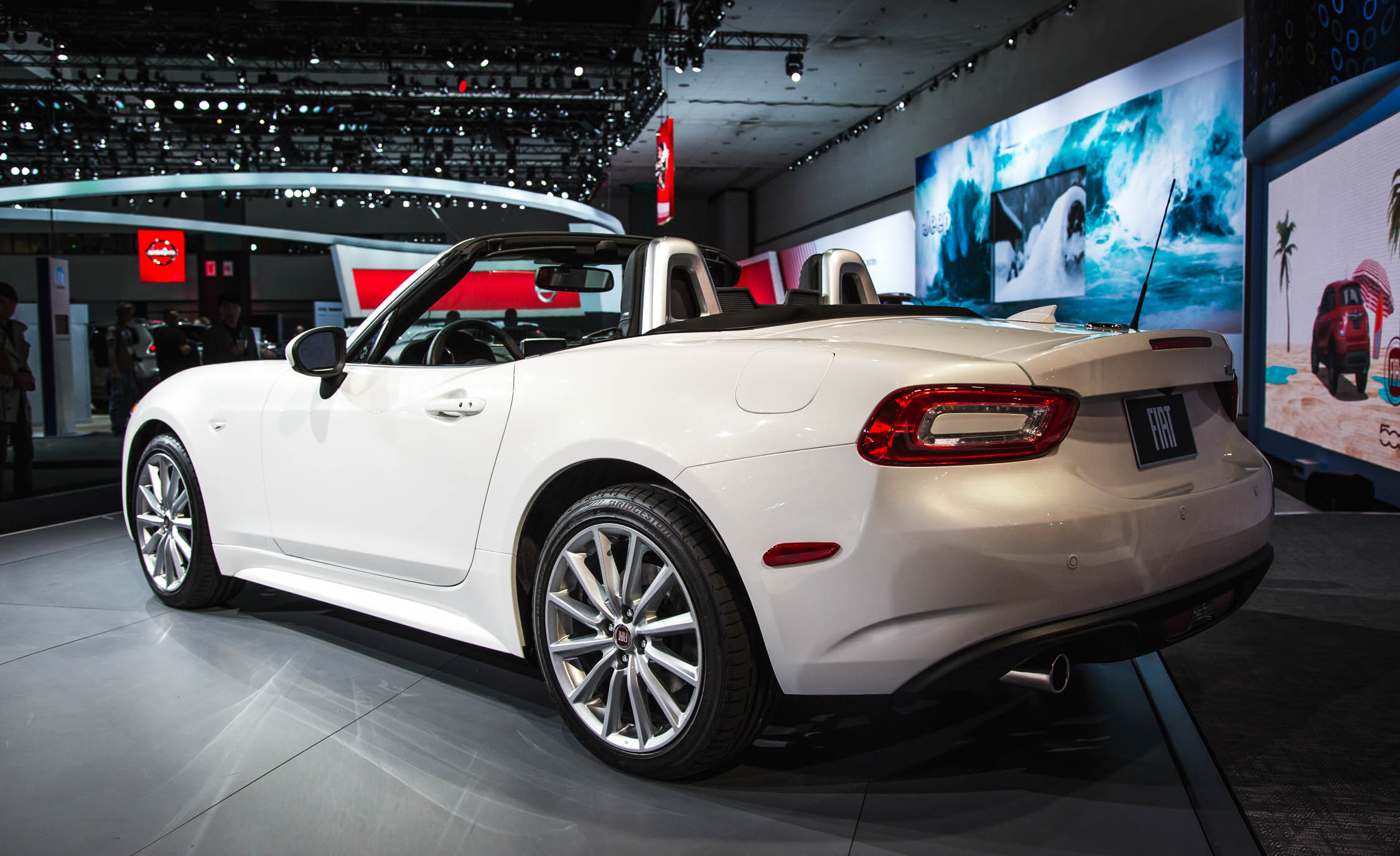 2017 Fiat 124 Spider White Preview (Photo 23 of 23)