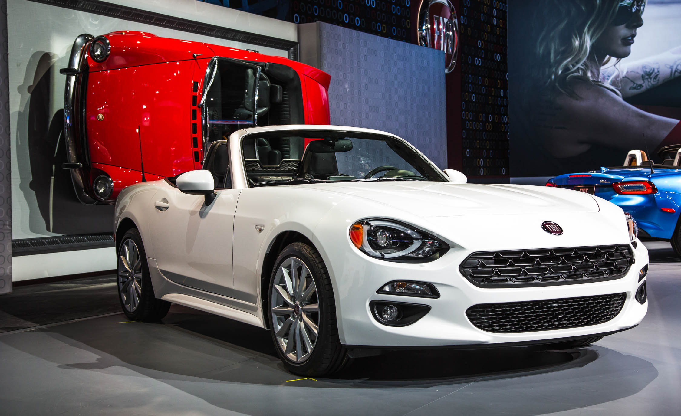 2017 fiat 124 spider cars exclusive videos and photos updates. Black Bedroom Furniture Sets. Home Design Ideas
