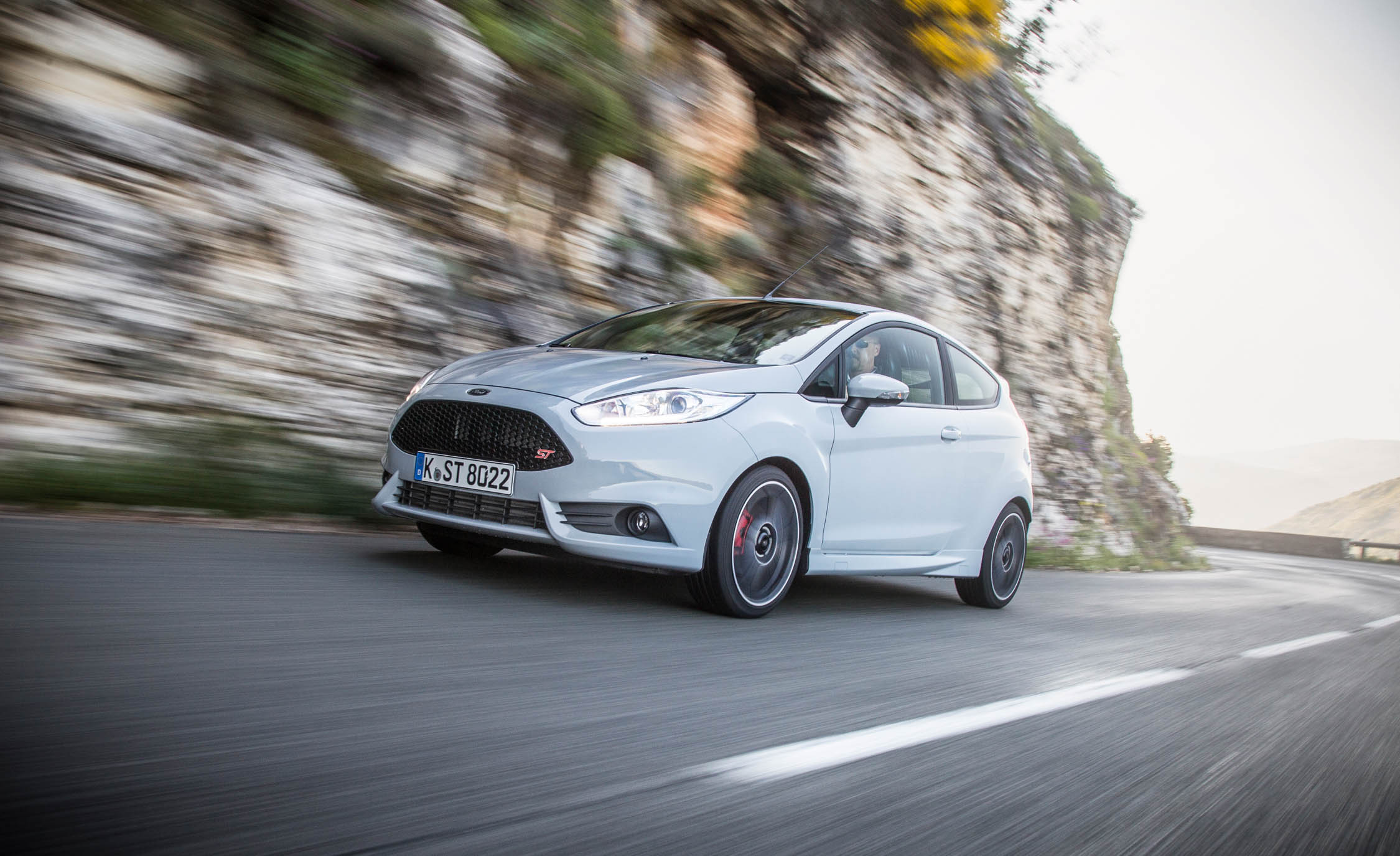 2017 Ford Fiesta ST (Photo 4 of 25)