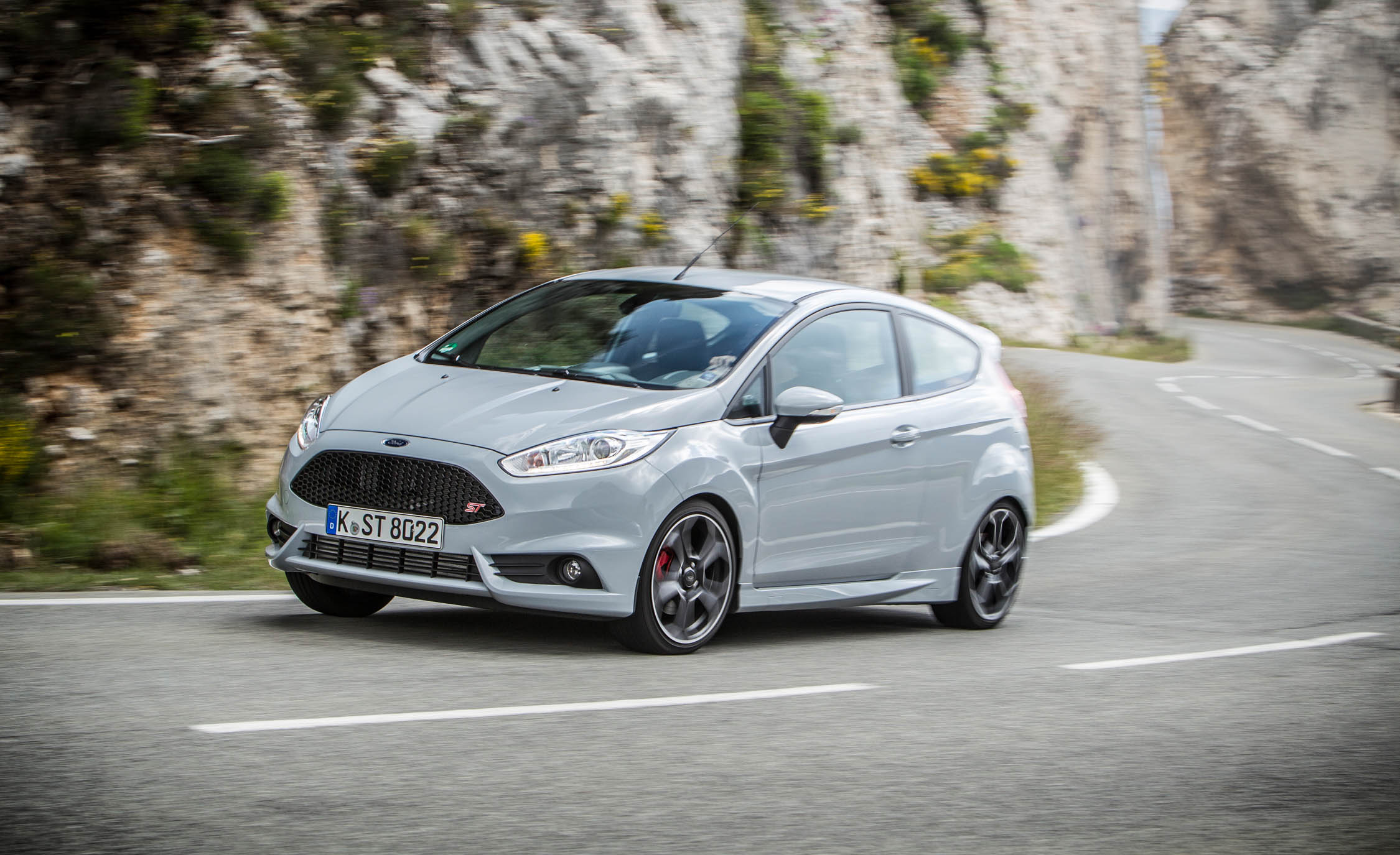 2017 Ford Fiesta ST200 Pictures Gallery (25 Images)