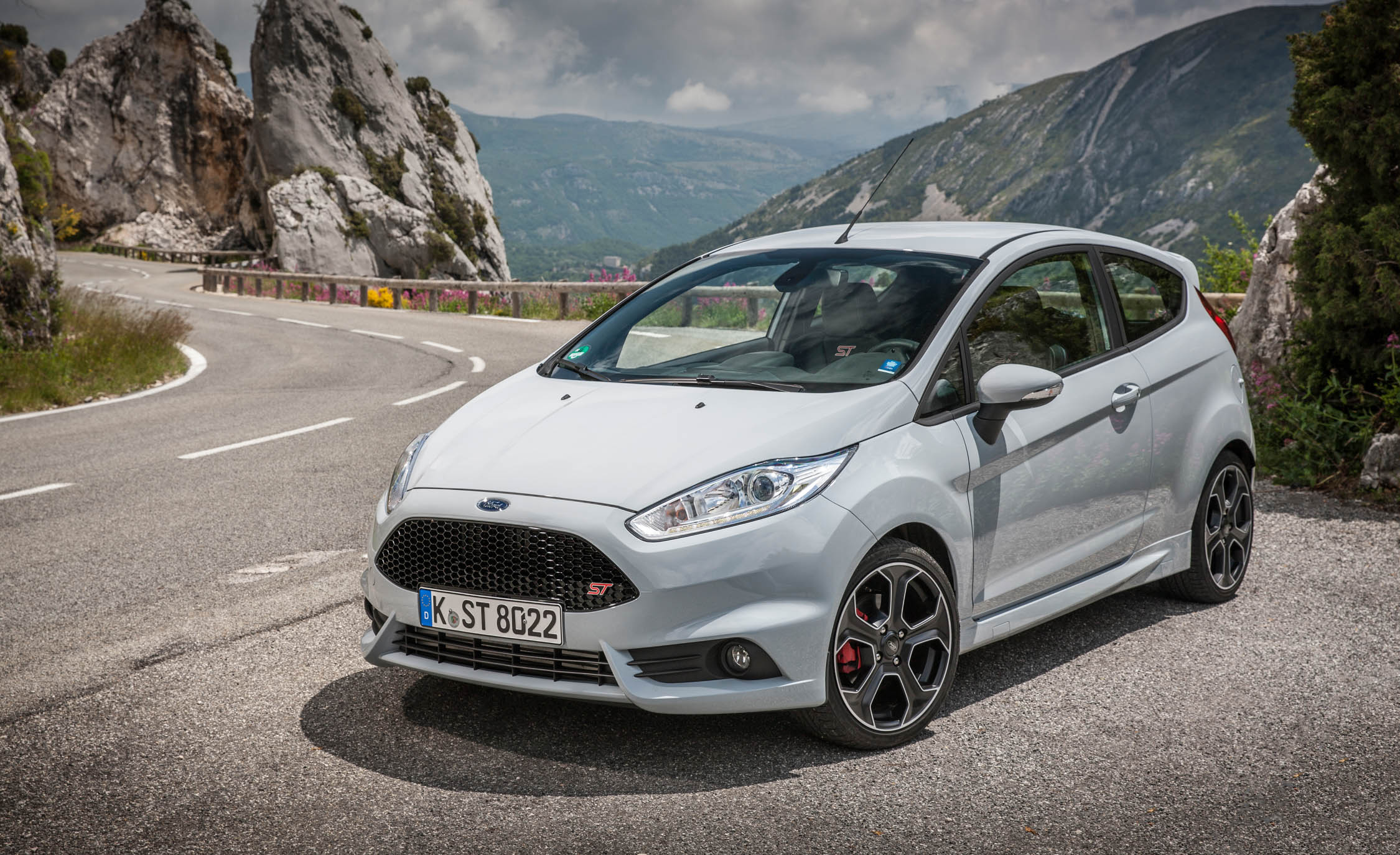 2017 Ford Fiesta ST (Photo 15 of 25)