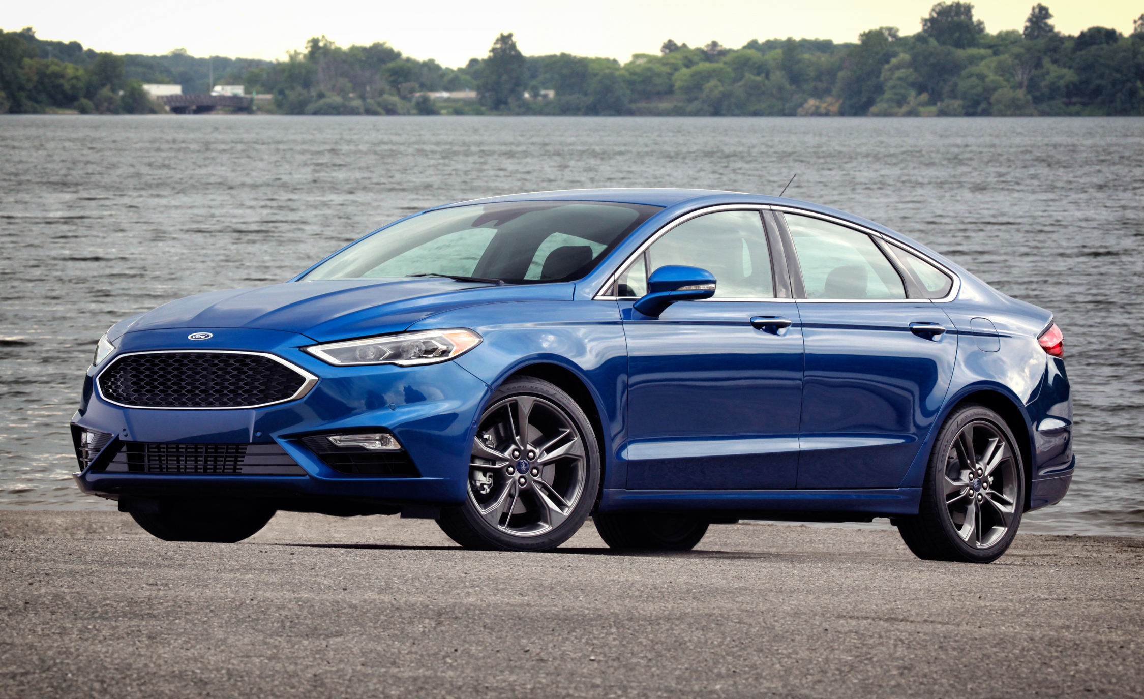 2017 Ford Fusion Sport (Photo 7 of 23)