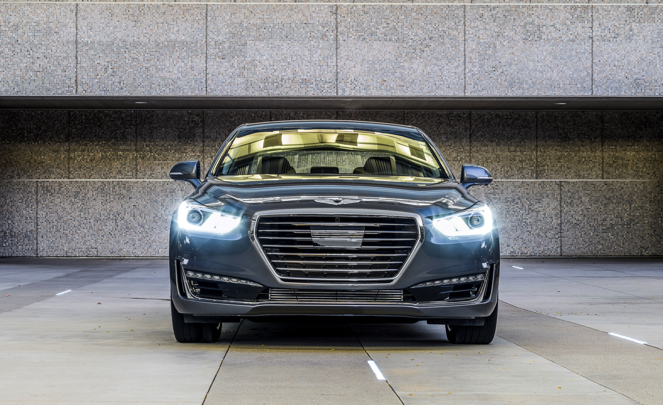 2017 Genesis G90 Exterior Front End (Photo 5 of 19)