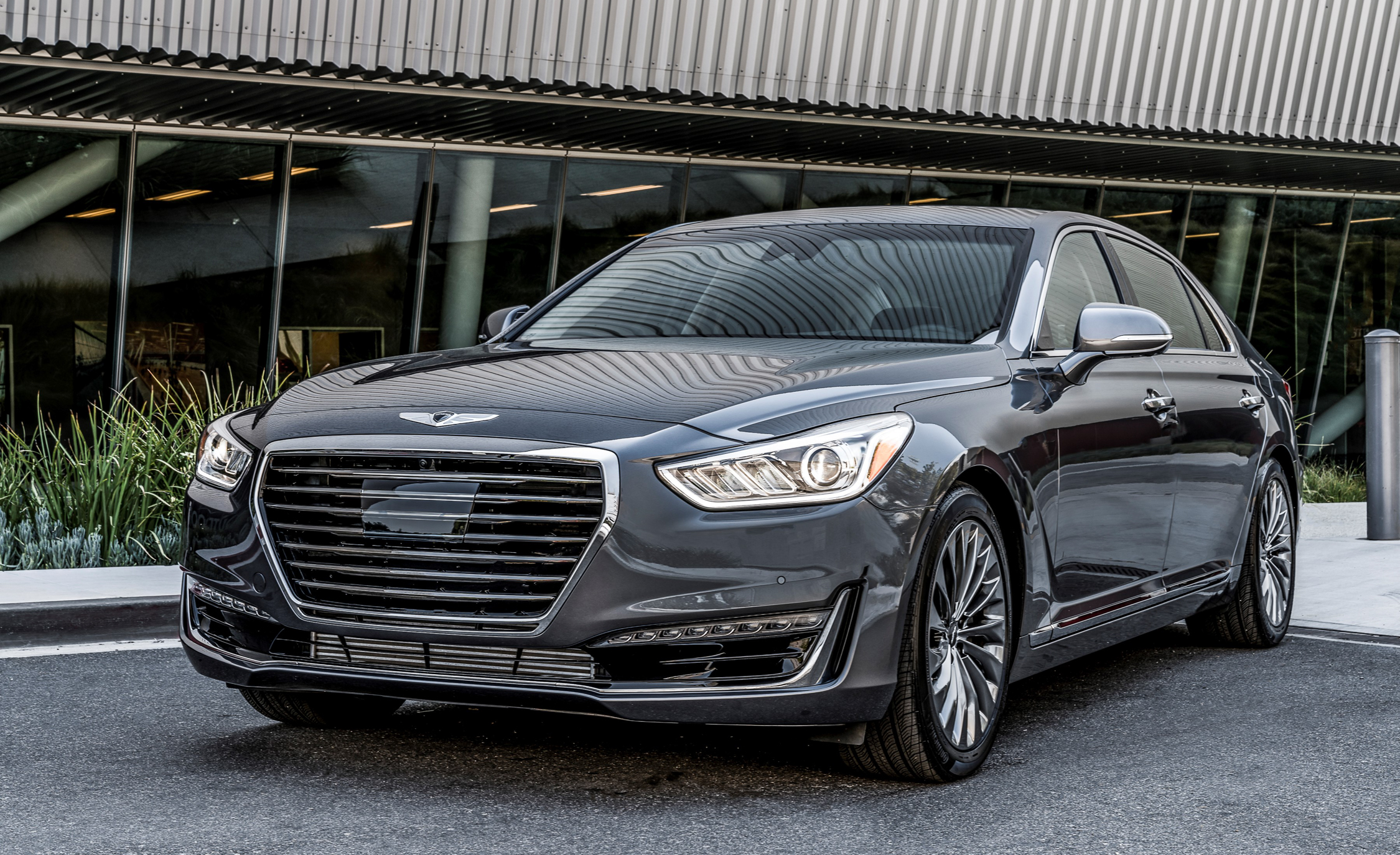 2017 Genesis G90 Exterior Front (Photo 3 of 19)