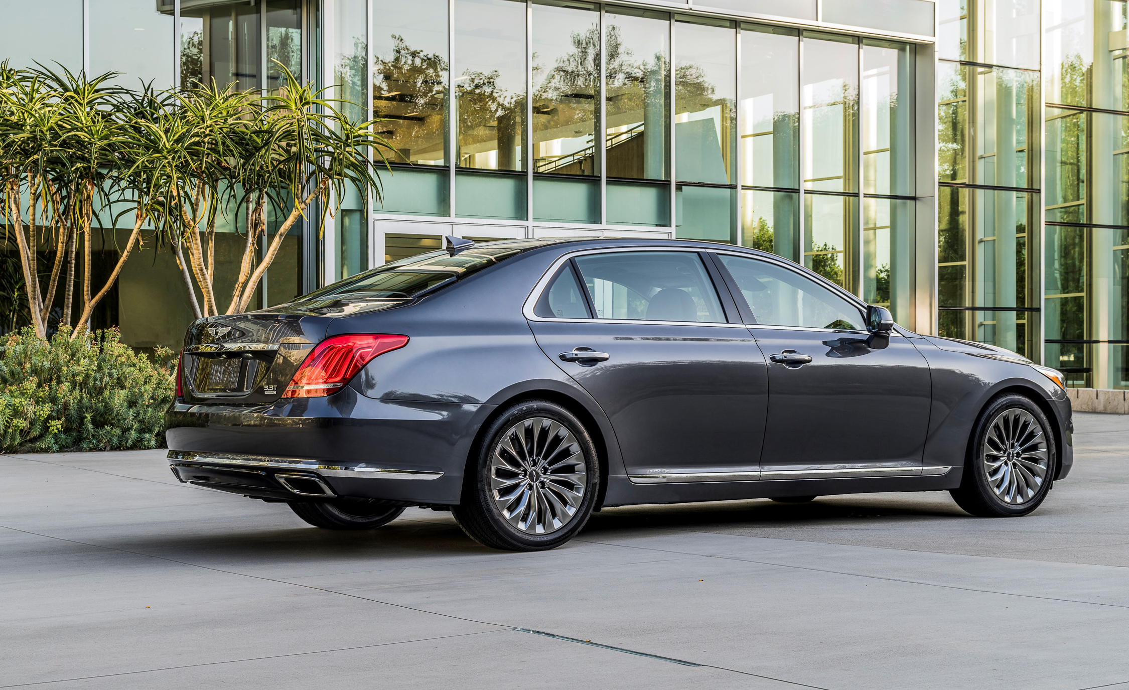 2017 Genesis G90 Exterior Side And Rear (Photo 9 of 19)