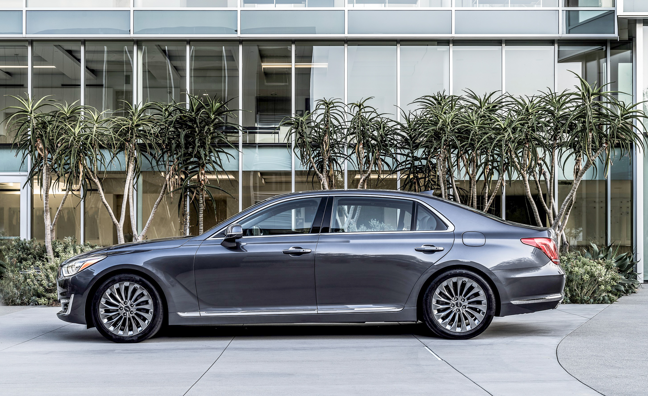 2017 Genesis G90 Exterior Side (Photo 8 of 19)