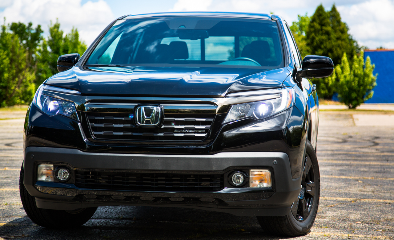 2017 Honda Ridgeline Black Edition Exterior Front (Photo 4 of 20)