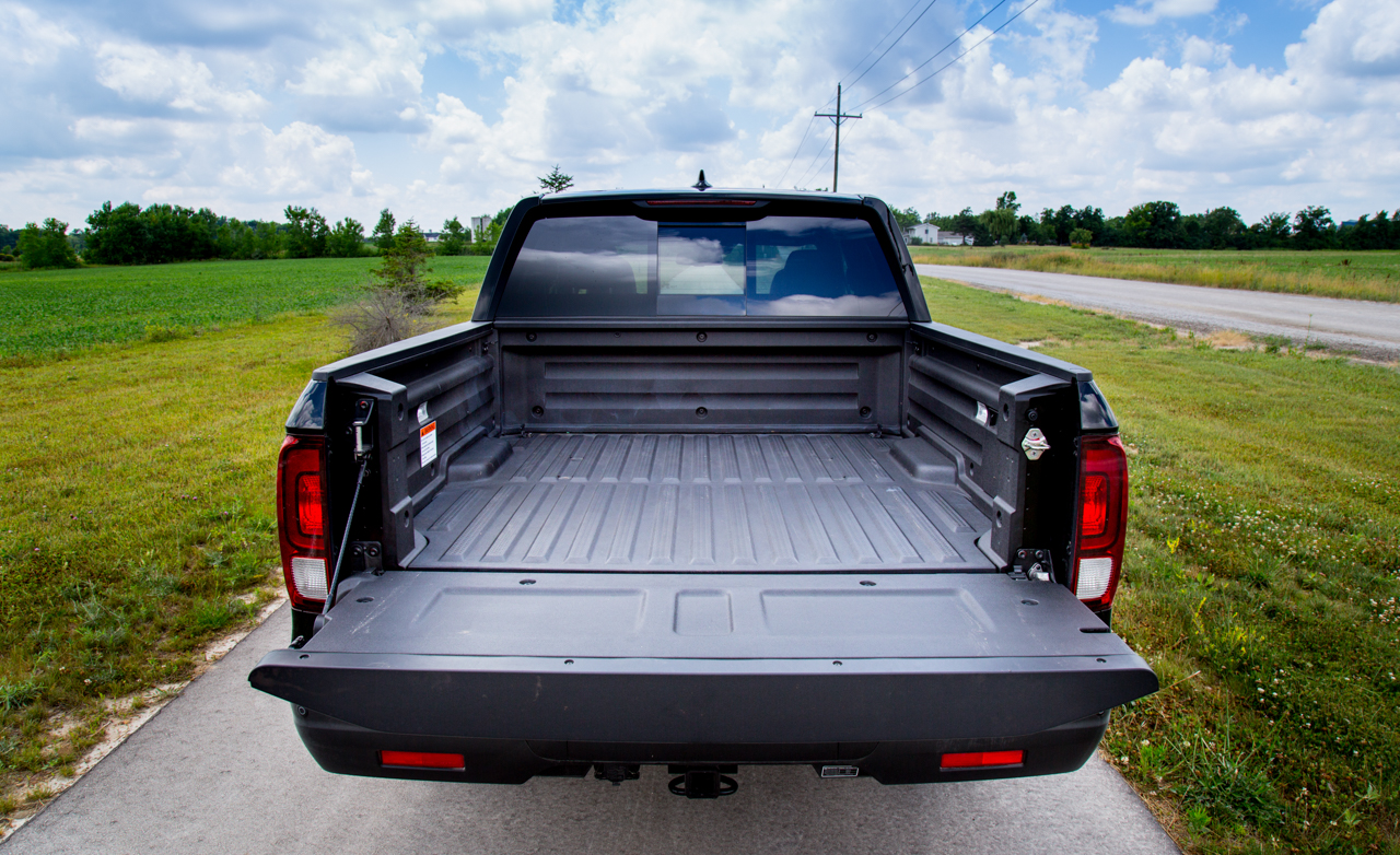 2017 Honda Ridgeline Black Edition Exterior Rear Cargo (Photo 7 of 20)