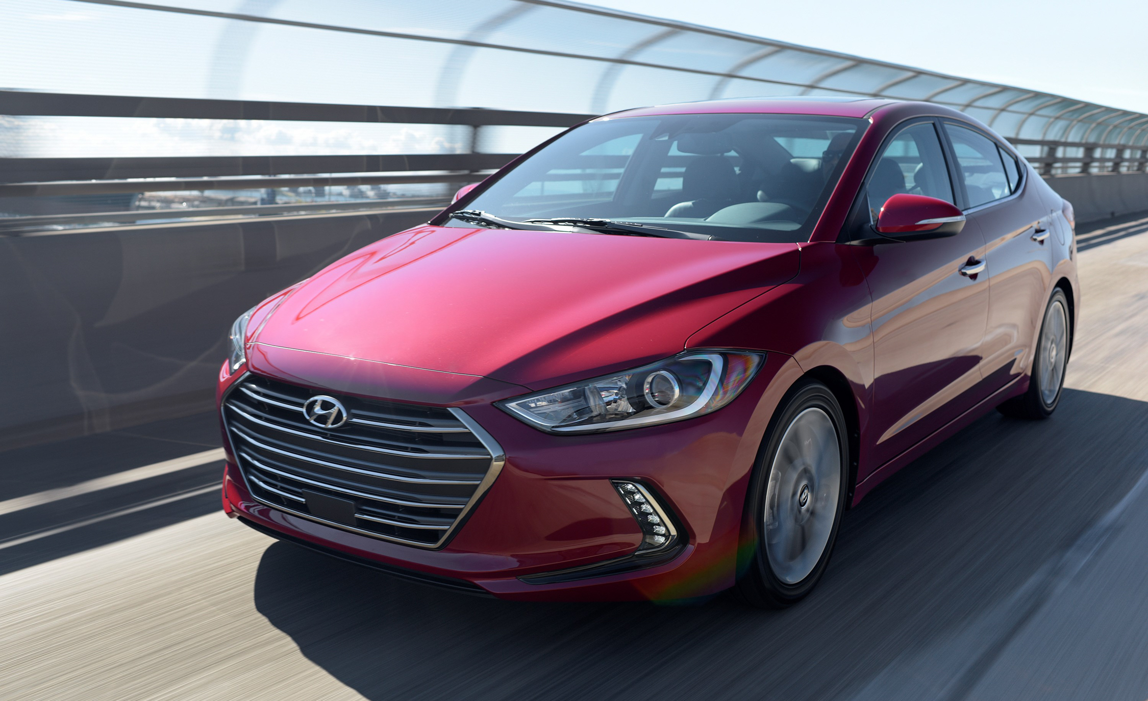 2017 Hyundai Elantra Limited (Photo 10 of 17)
