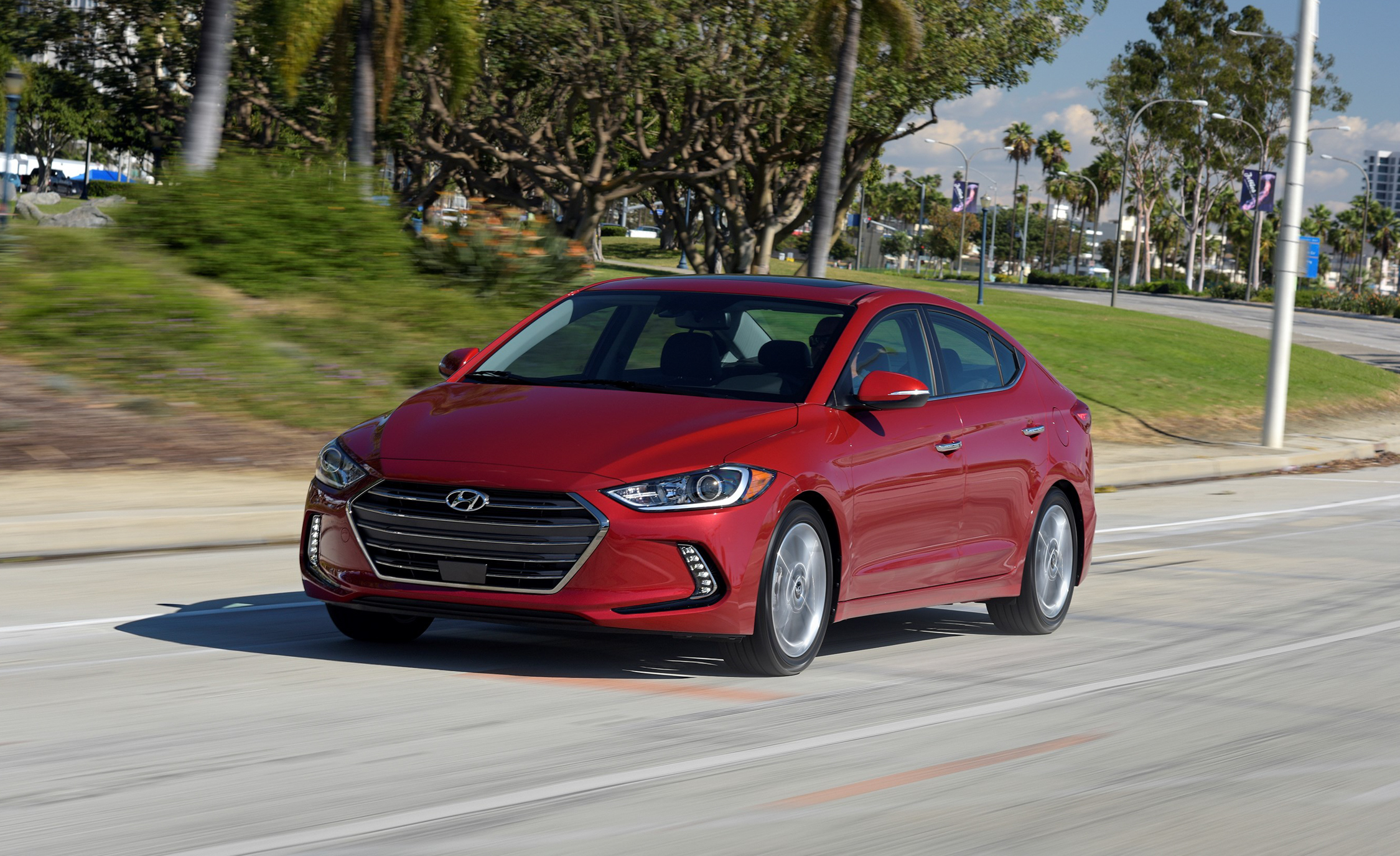 2017 Hyundai Elantra Limited (Photo 15 of 17)