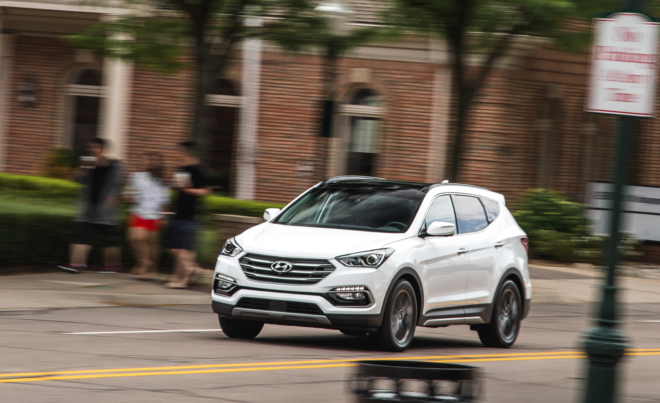 2017 Hyundai Santa Fe Test Drive (Photo 9 of 12)