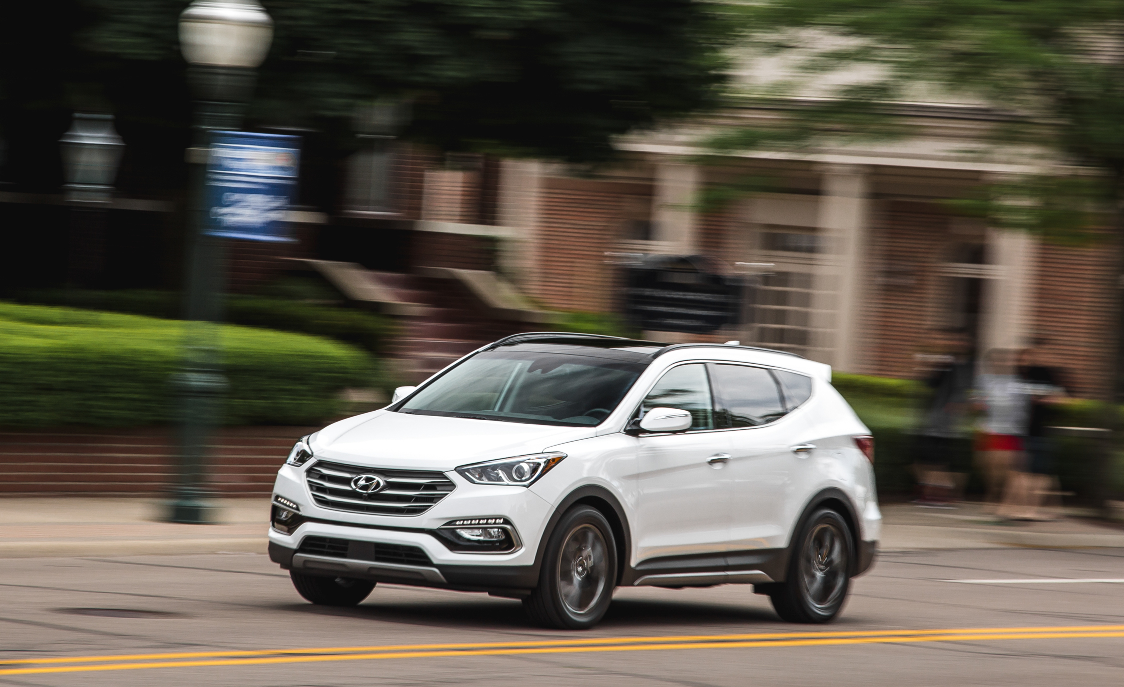 2017 Hyundai Santa Fe (Photo 1 of 12)