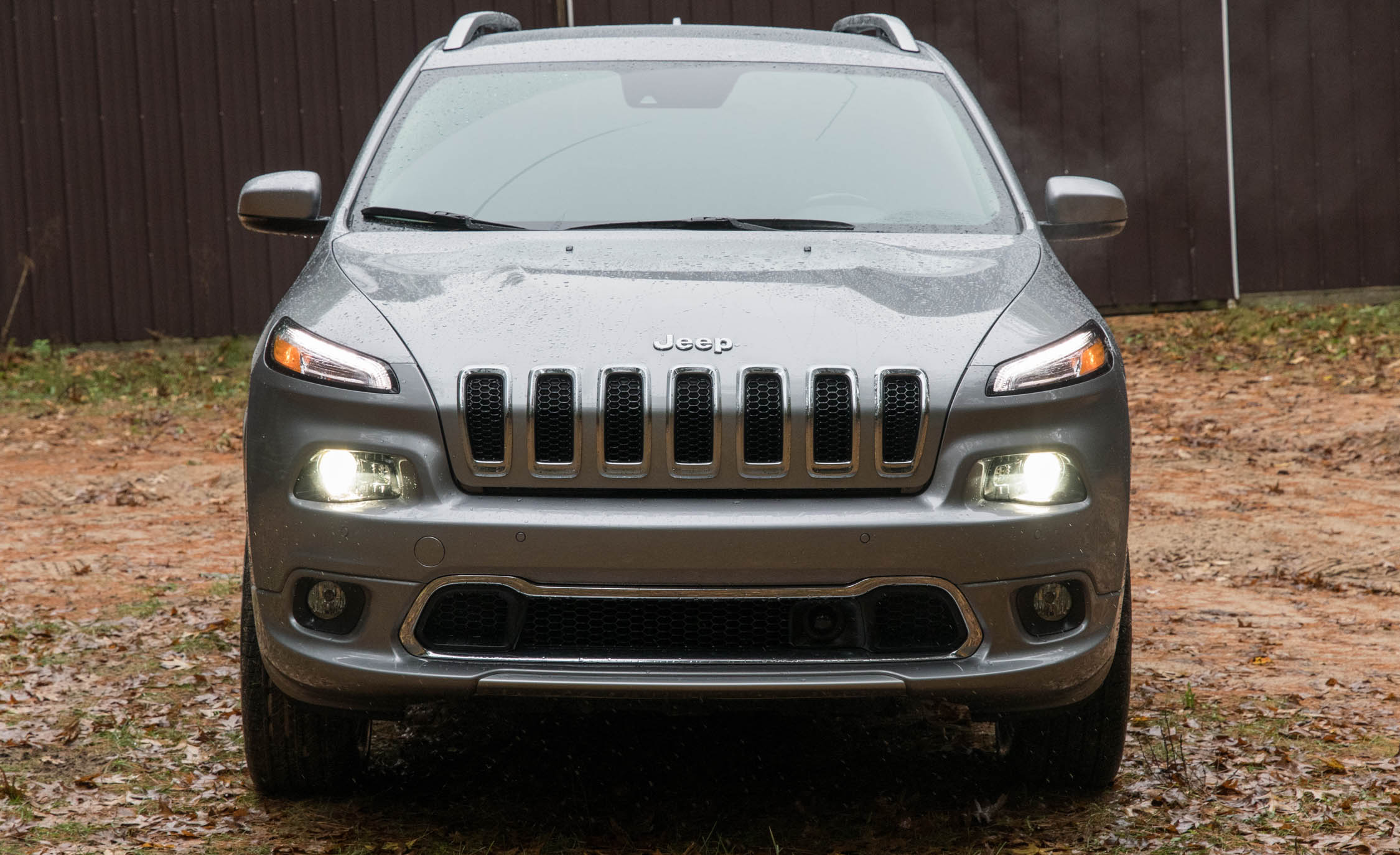 2017 Jeep Cherokee Overland 4× (Photo 2 of 19)