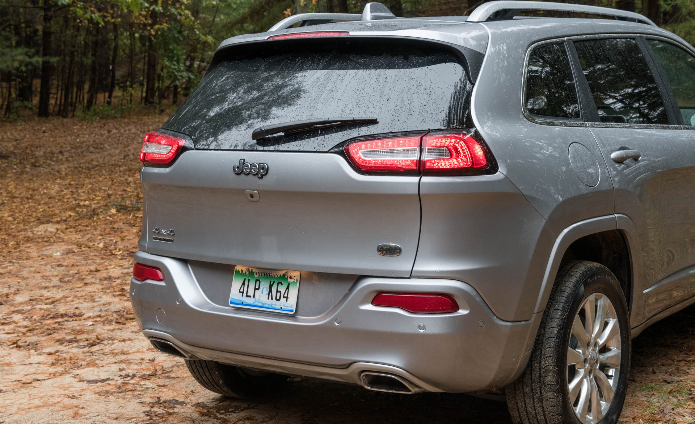 2017 Jeep Cherokee Overland 4× (Photo 6 of 19)
