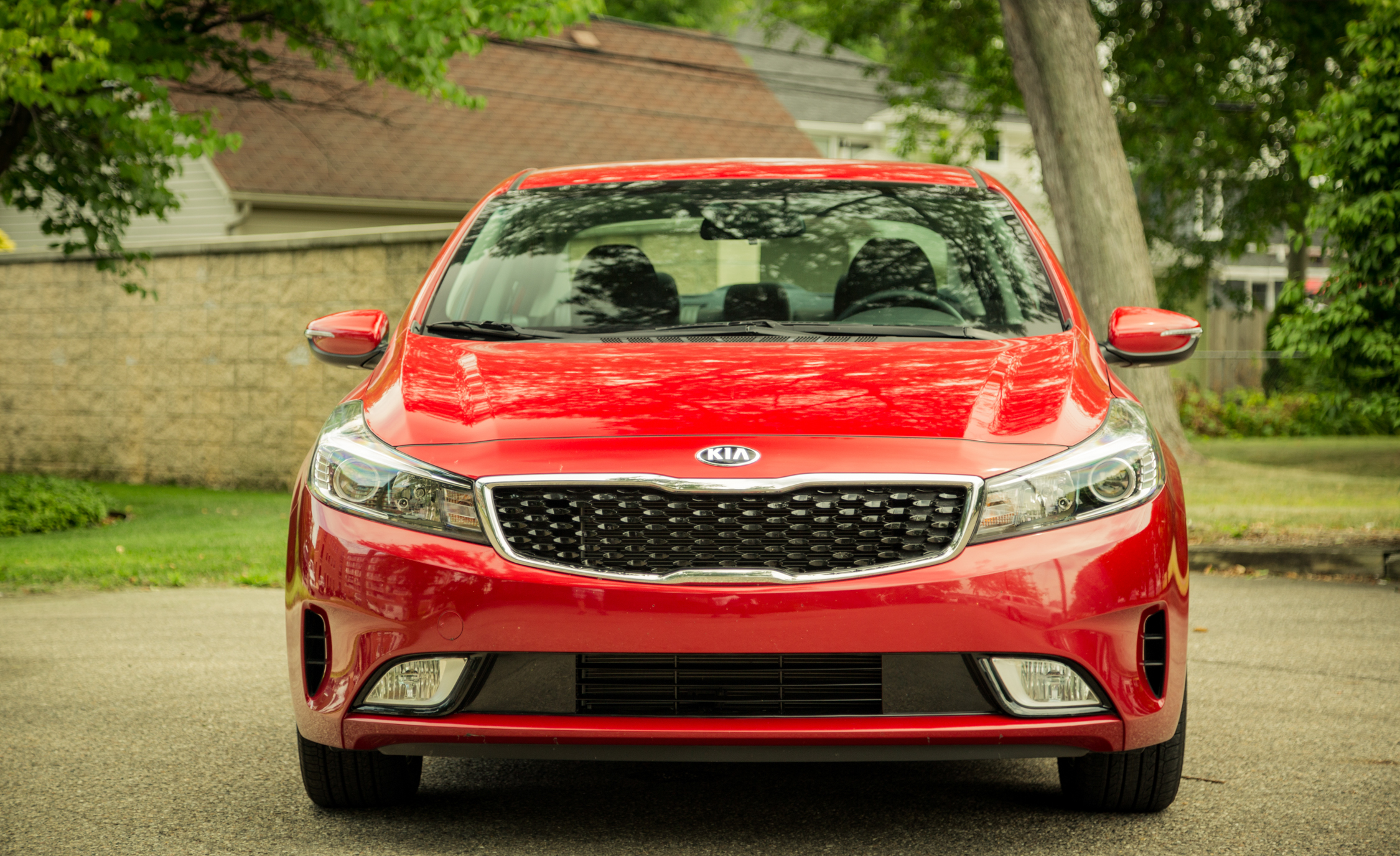 2017 Kia Forte Exterior Front (Photo 3 of 13)