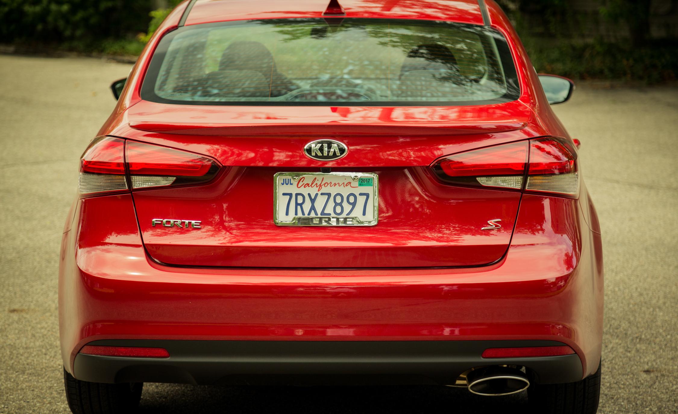 2017 Kia Forte Exterior Rear End (Photo 6 of 13)