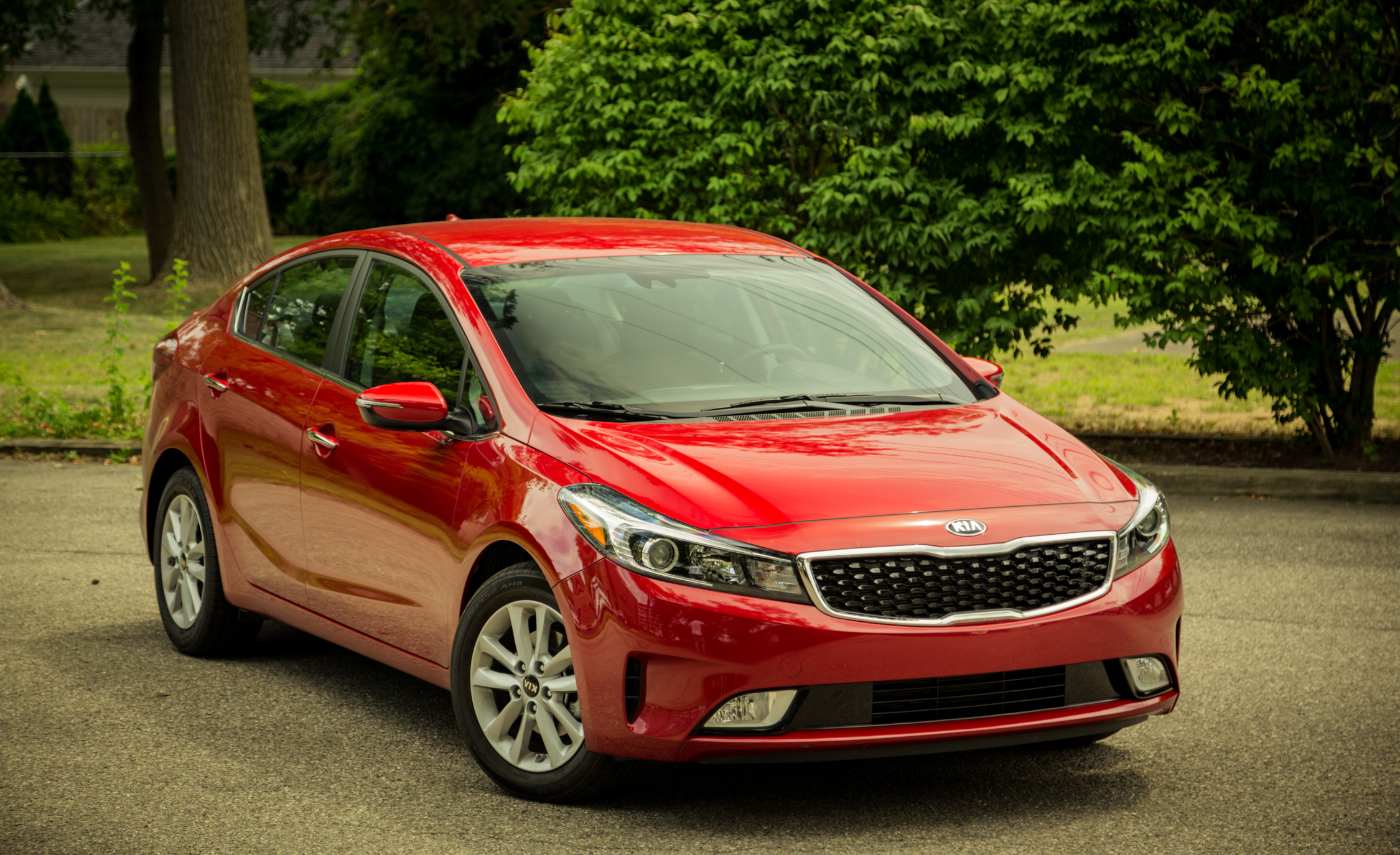 2017 Kia Forte Exterior (Photo 2 of 13)