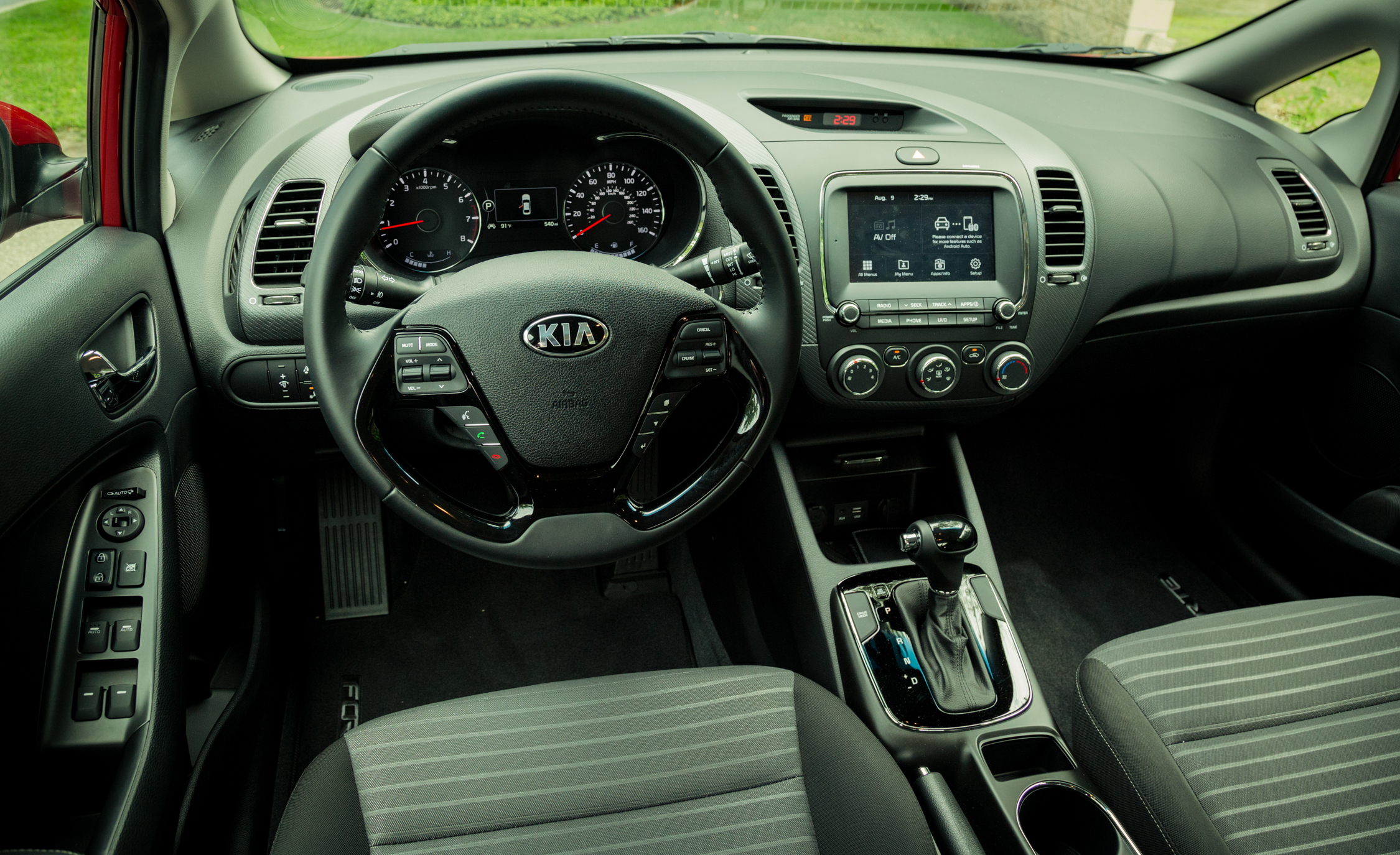 2017 Kia Forte Interior Dashboard (Photo 8 of 13)