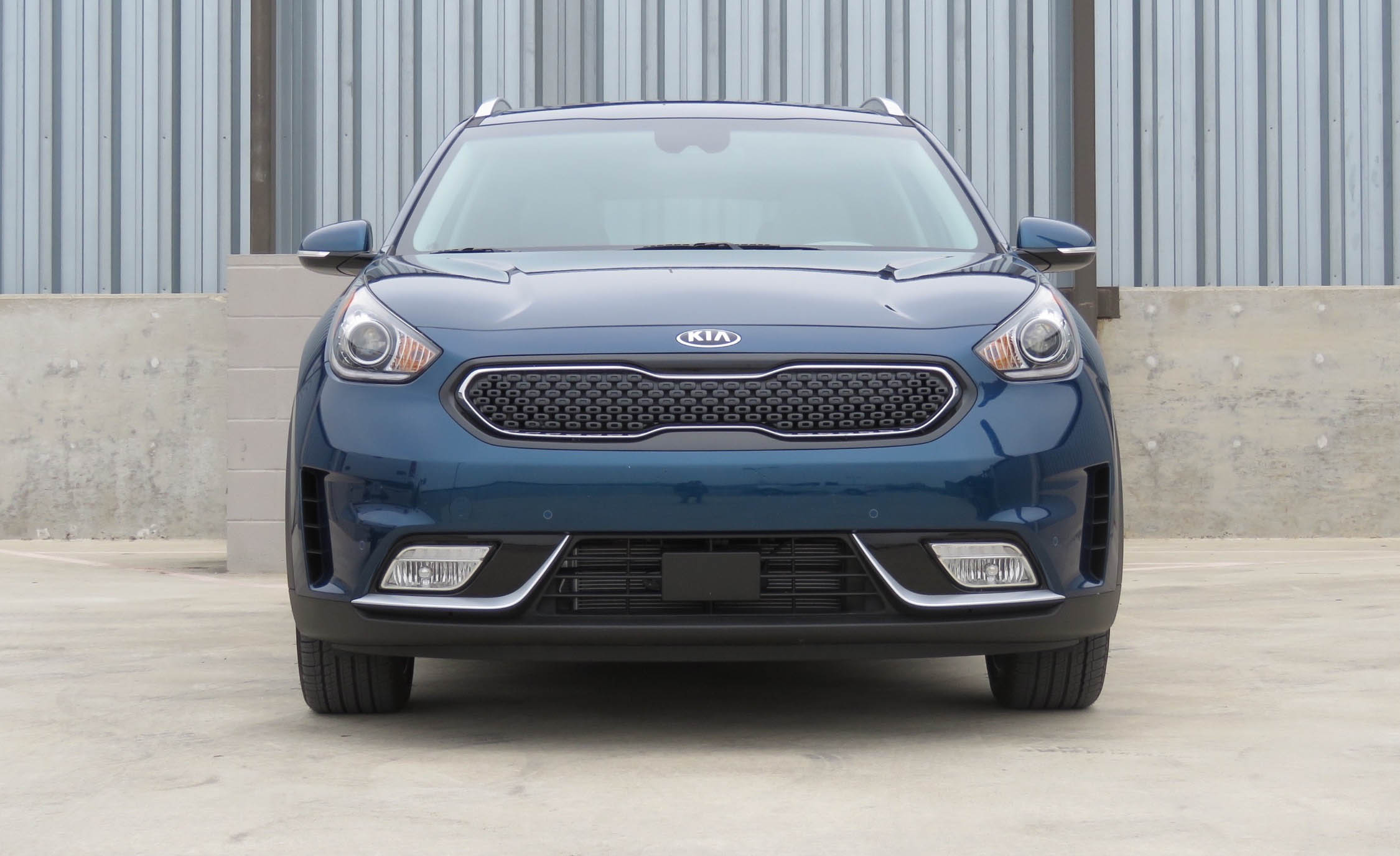 2017 Kia Niro (Photo 3 of 25)