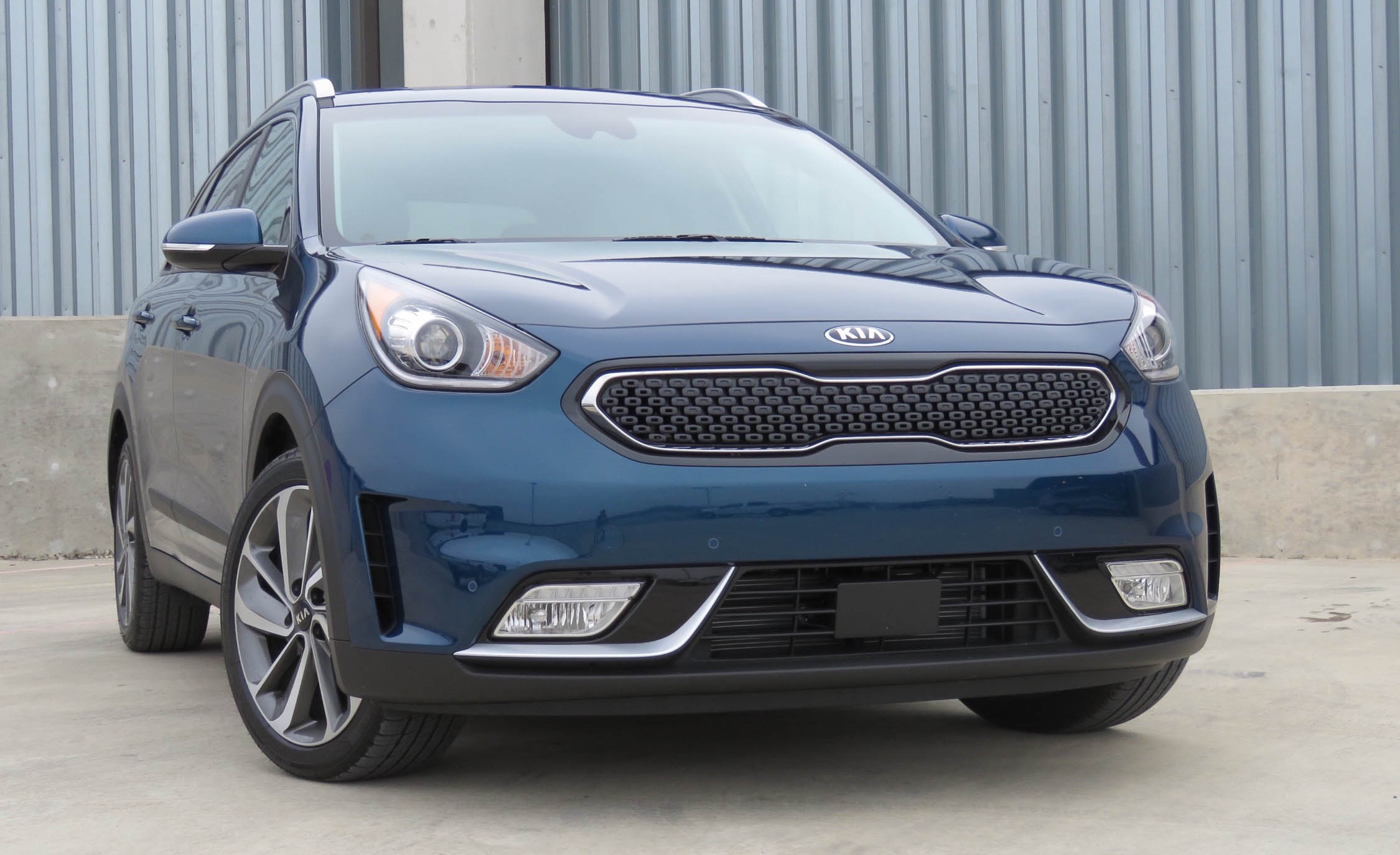 2017 Kia Niro (Photo 4 of 25)