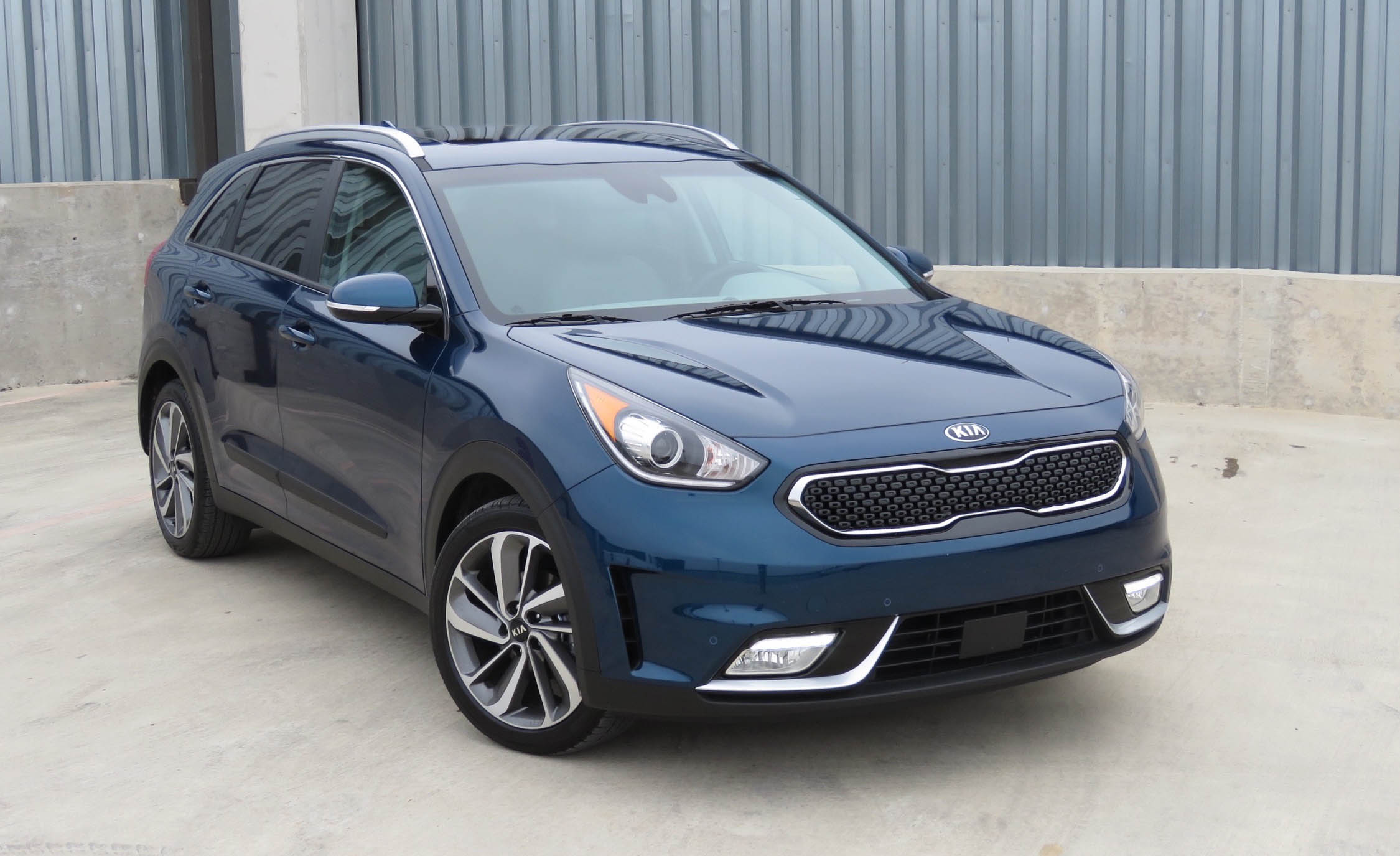 2017 Kia Niro (Photo 10 of 25)