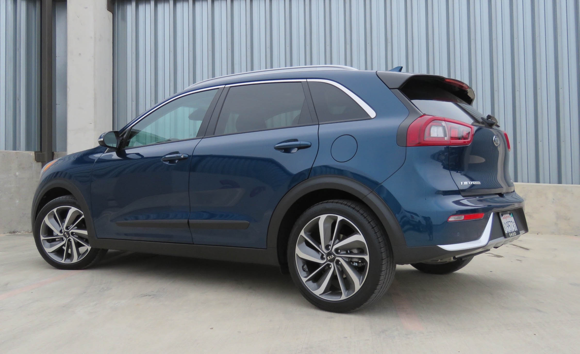 2017 Kia Niro (Photo 11 of 25)