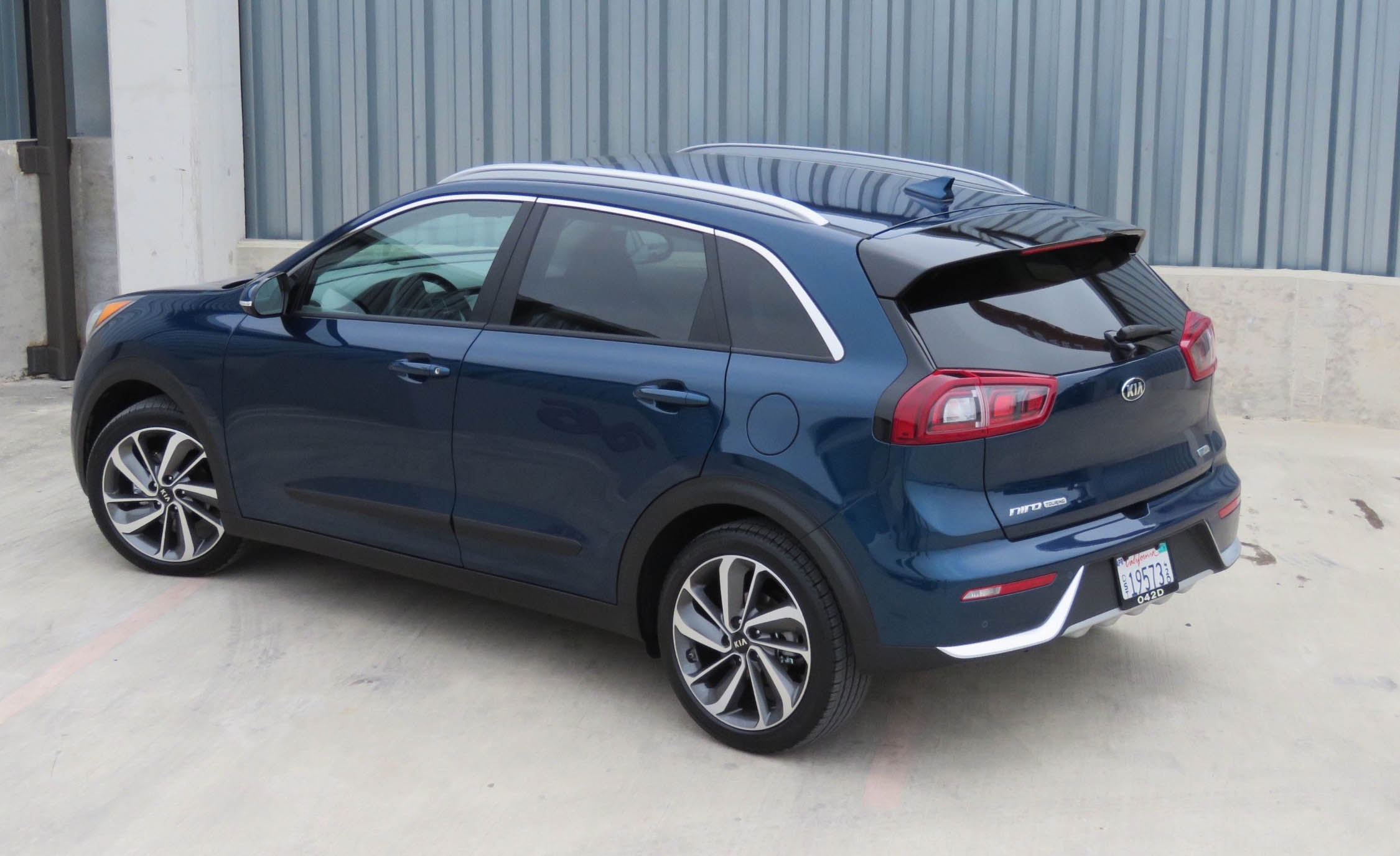 2017 Kia Niro (Photo 12 of 25)