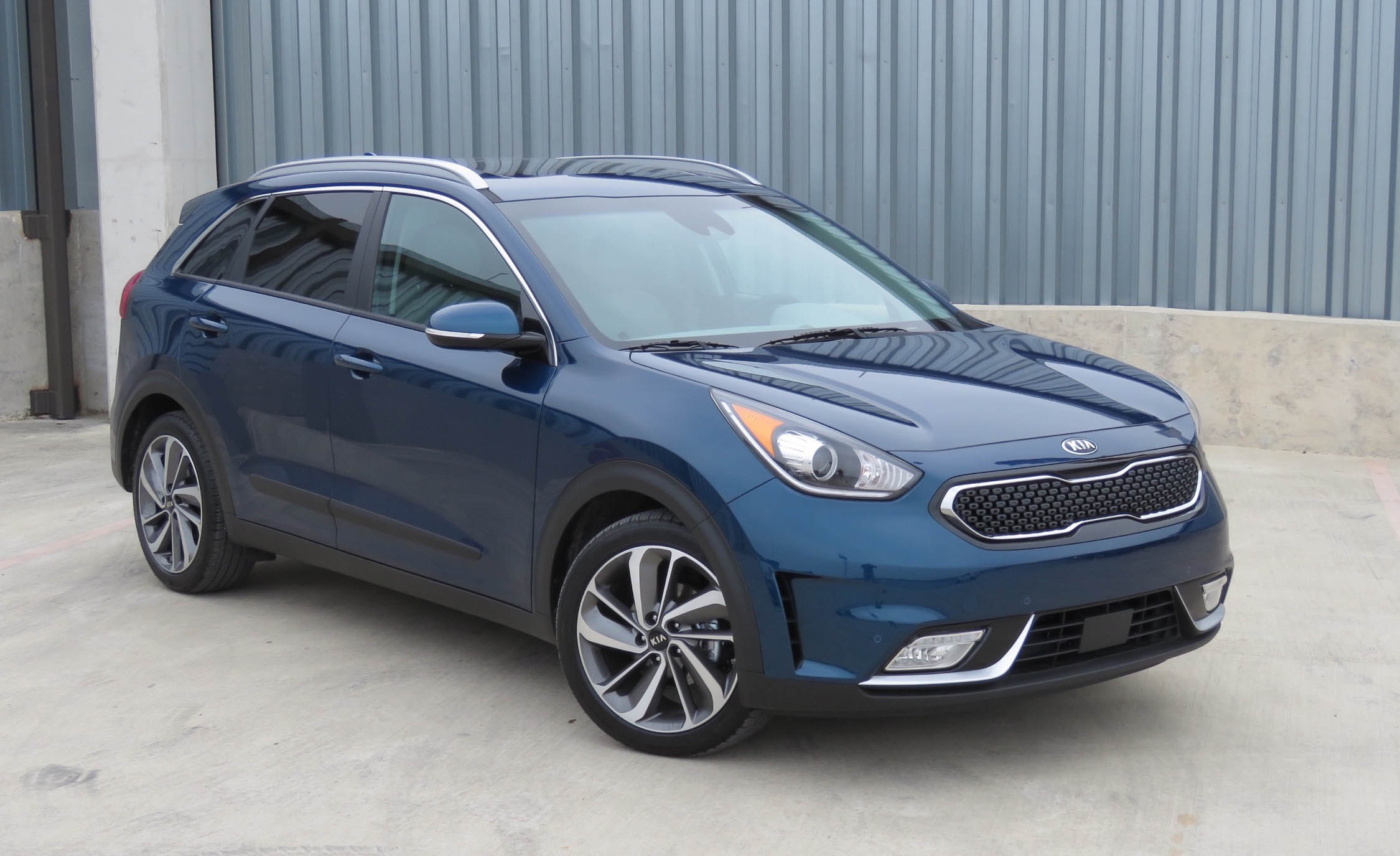 2017 Kia Niro (Photo 17 of 25)